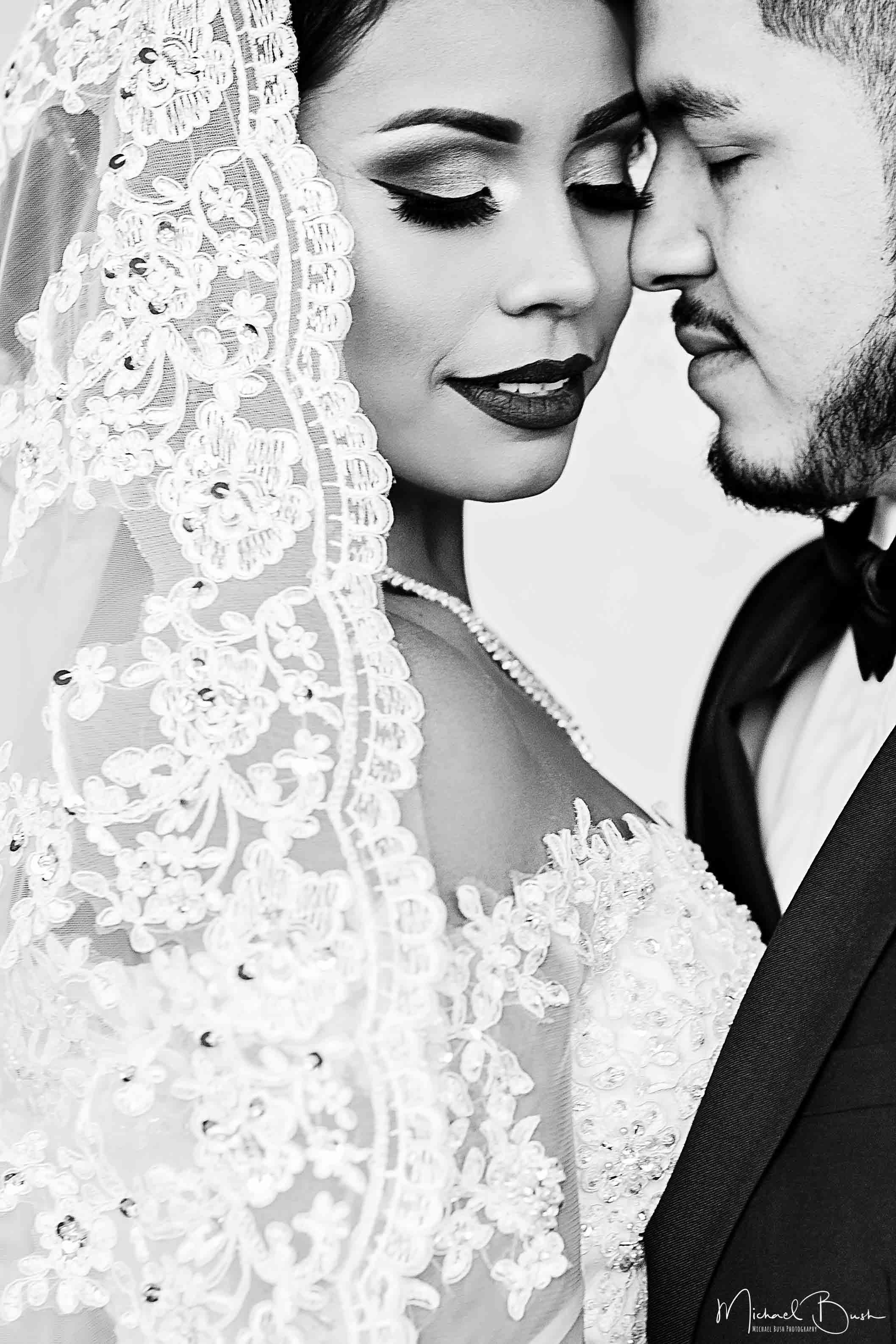bride&groom-bride-groom-portraits-love-b&w-fort-worth-arts-musuem-kimball-art.jpg