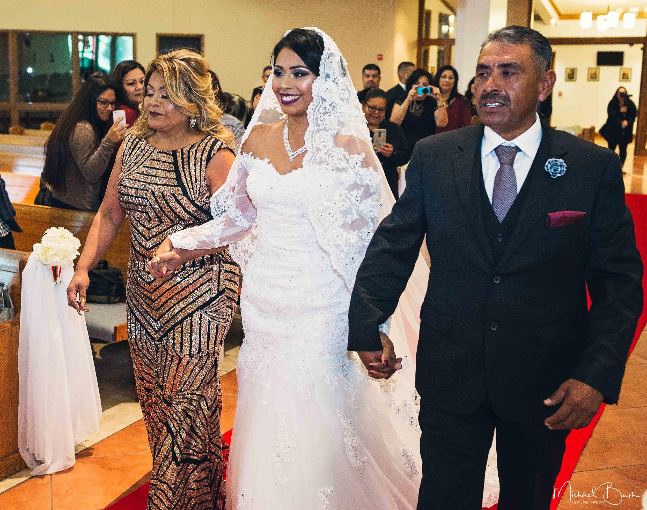 Wedding-Details-Bride-Fort Worth-colors-Ceremony--bride-groom-parents-isle.jpg