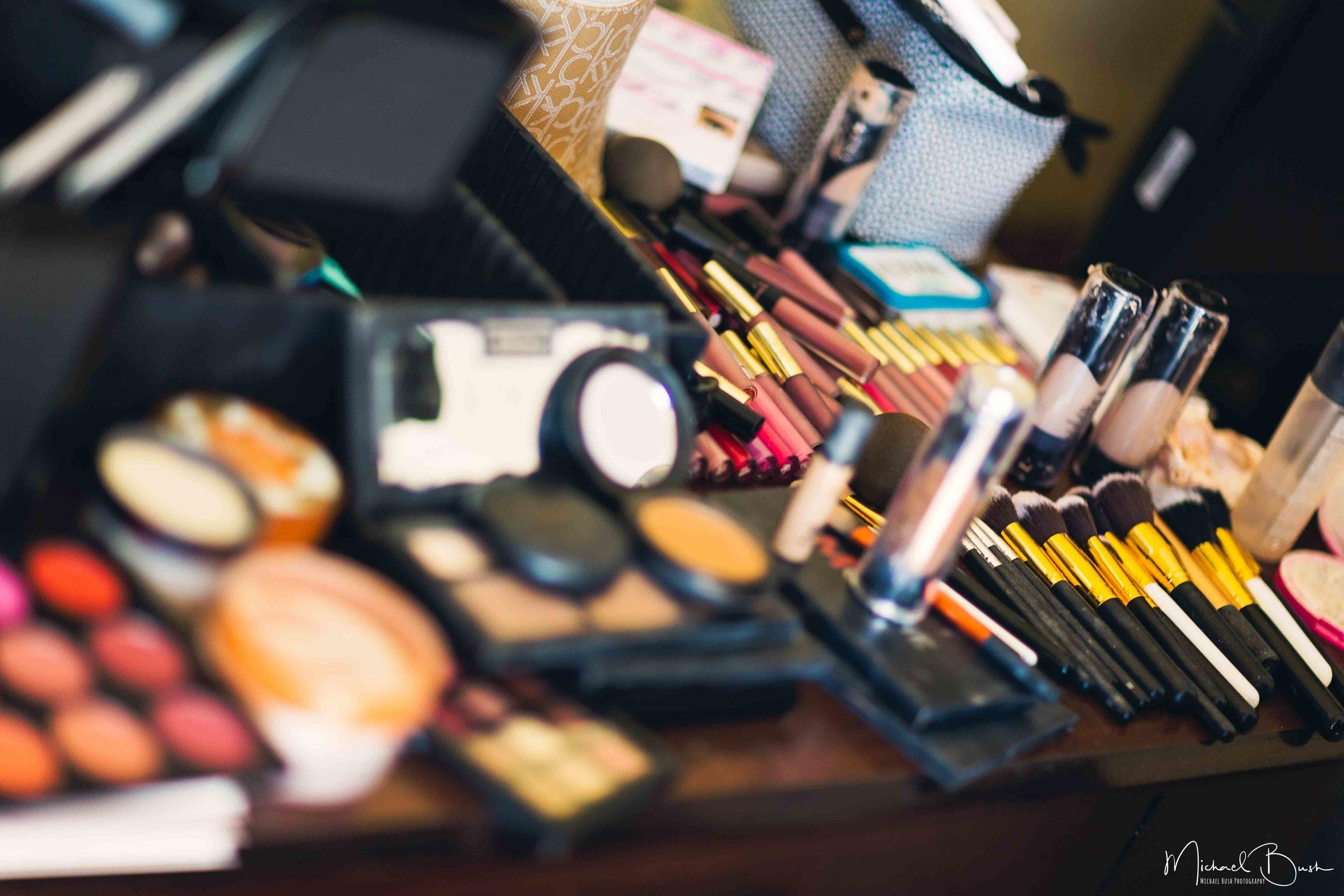 Wedding-Details-Bride-Fort Worth-colors-Getting Ready-MUA-brides-brushes.jpg