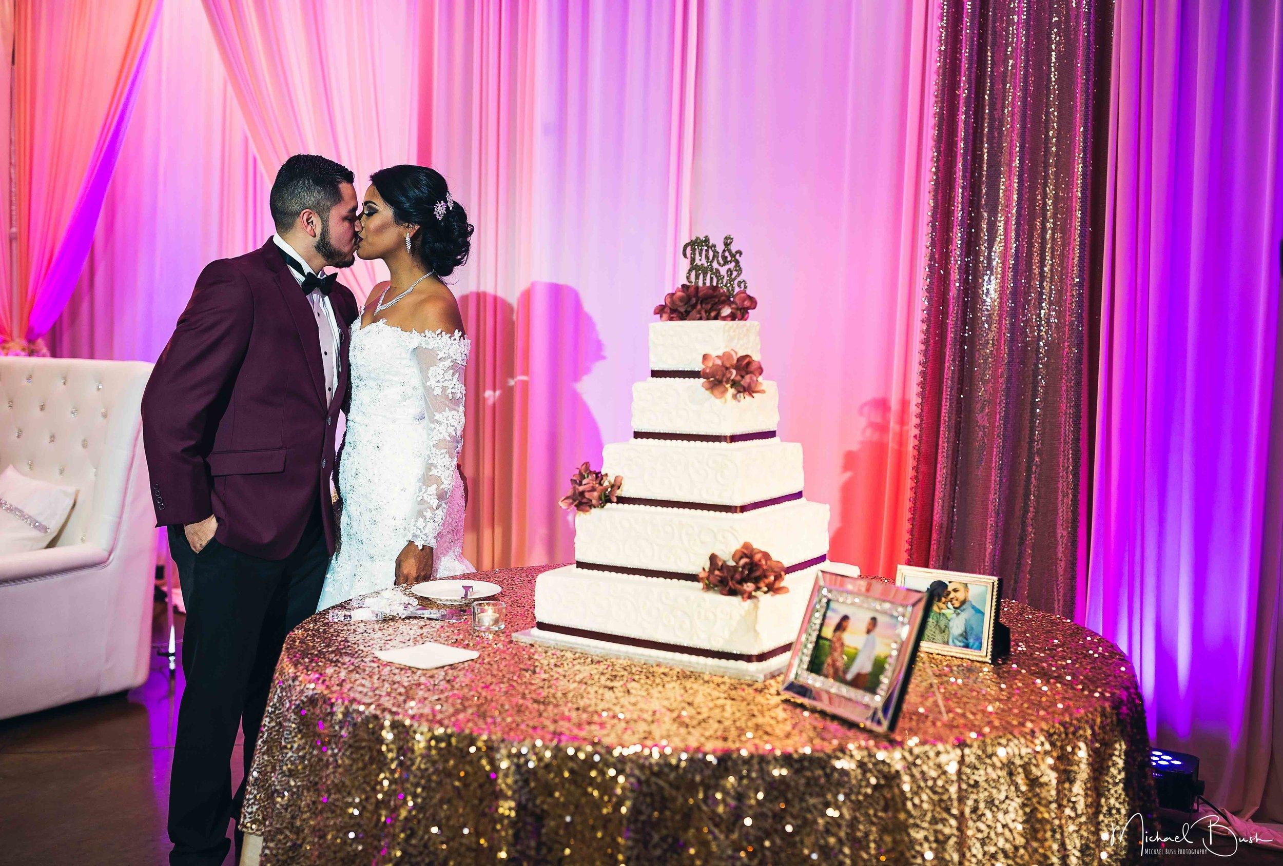 Wedding-Reception-Detials-Fort-Worth-Venue-cake-kiss.jpg