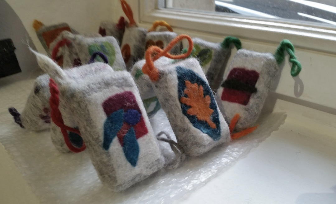 Felted soap bars
