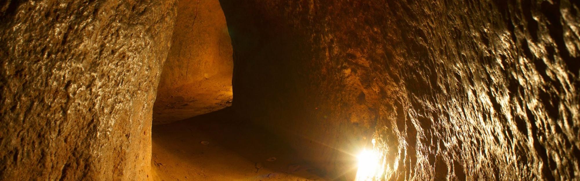 cu-chi-tunnel.jpg
