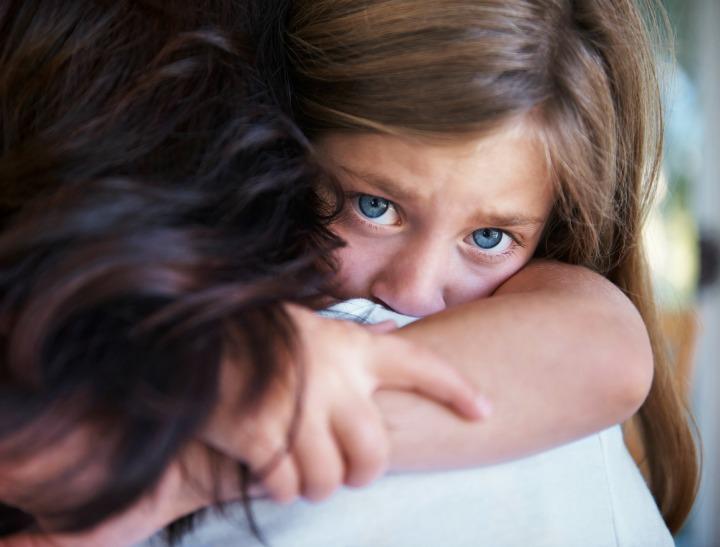 sad-girl-mum-istock.jpg