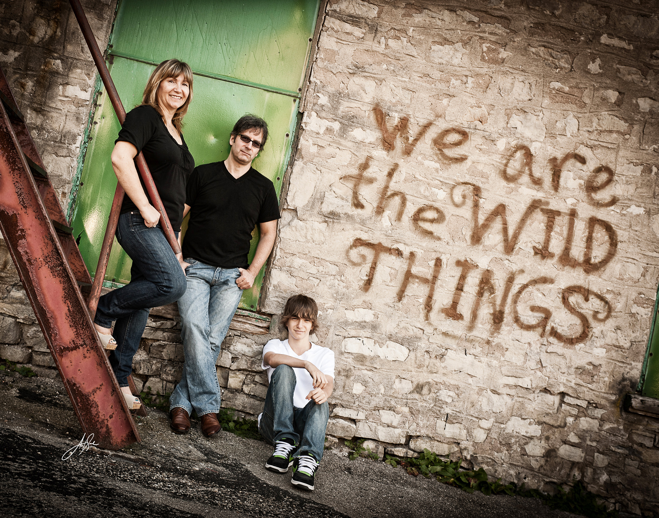 Alternative-Family-Portrait-with-Graffiti.jpg