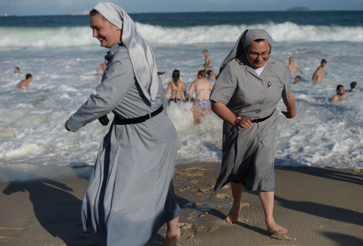 nuns_on_the_beach.jpg