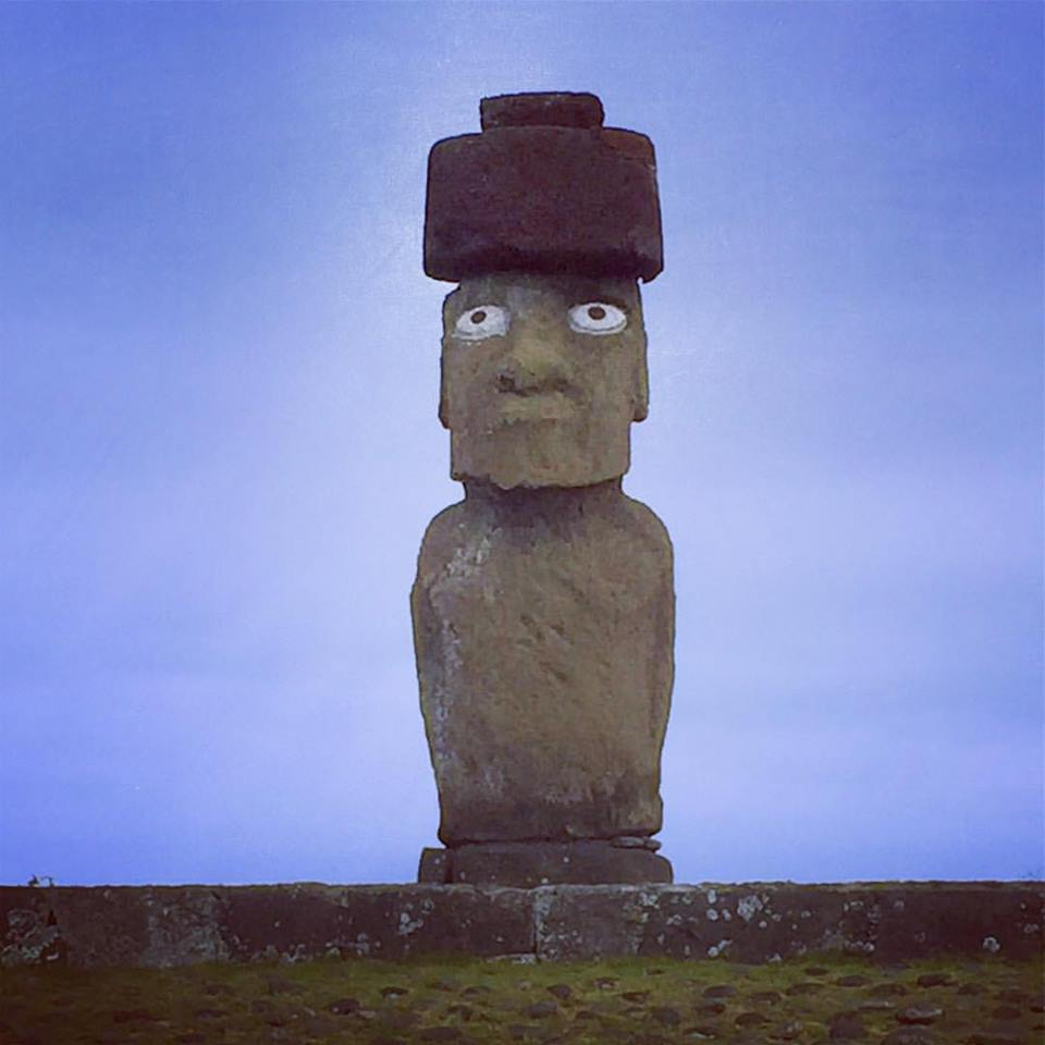 Ahu Tahai is the only moai displayed to full bravado, with restored coral and obsidian eyes and a red volcanic scoria pukao top knot.