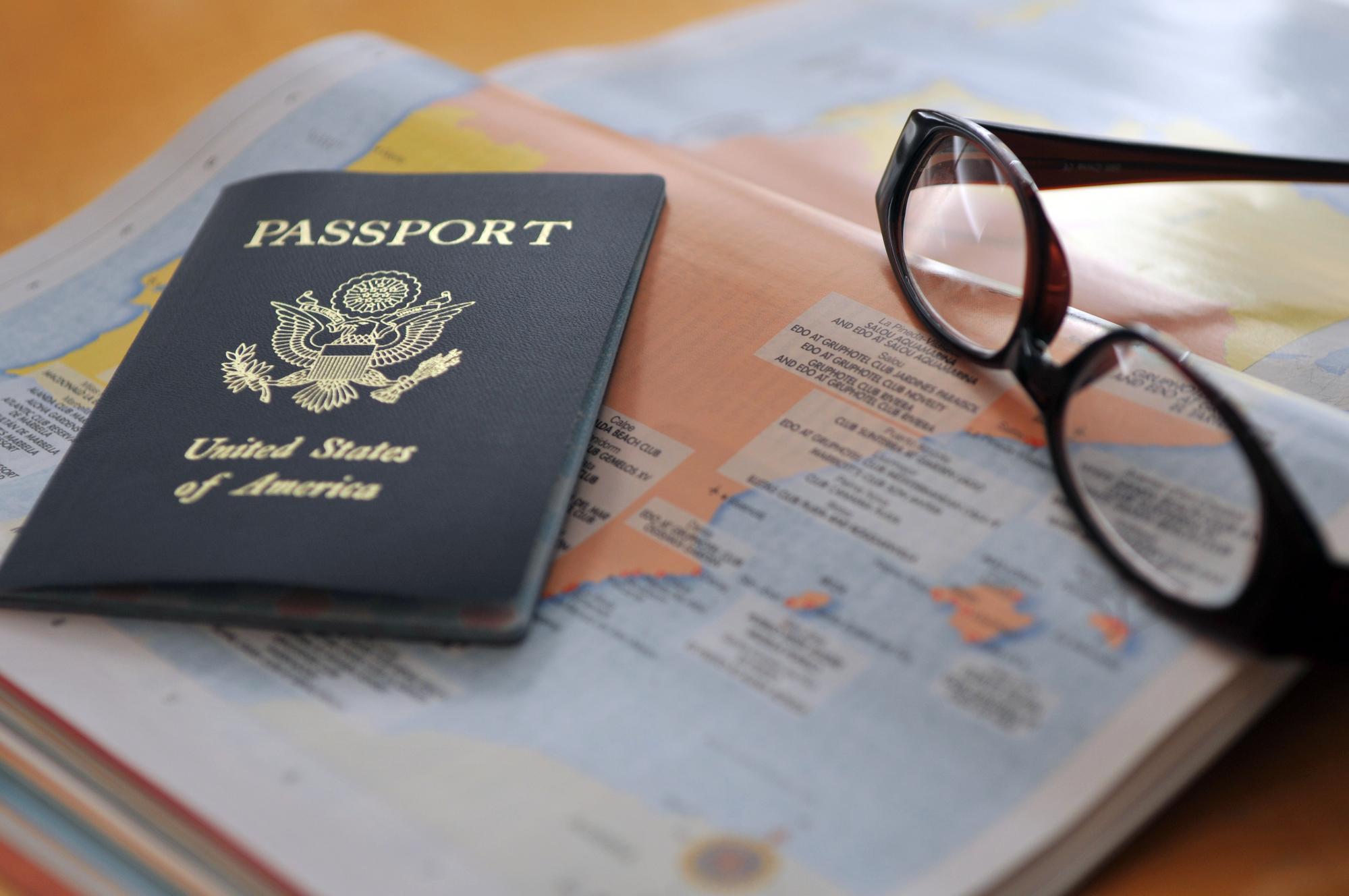 Passport photos no longer allow glasses