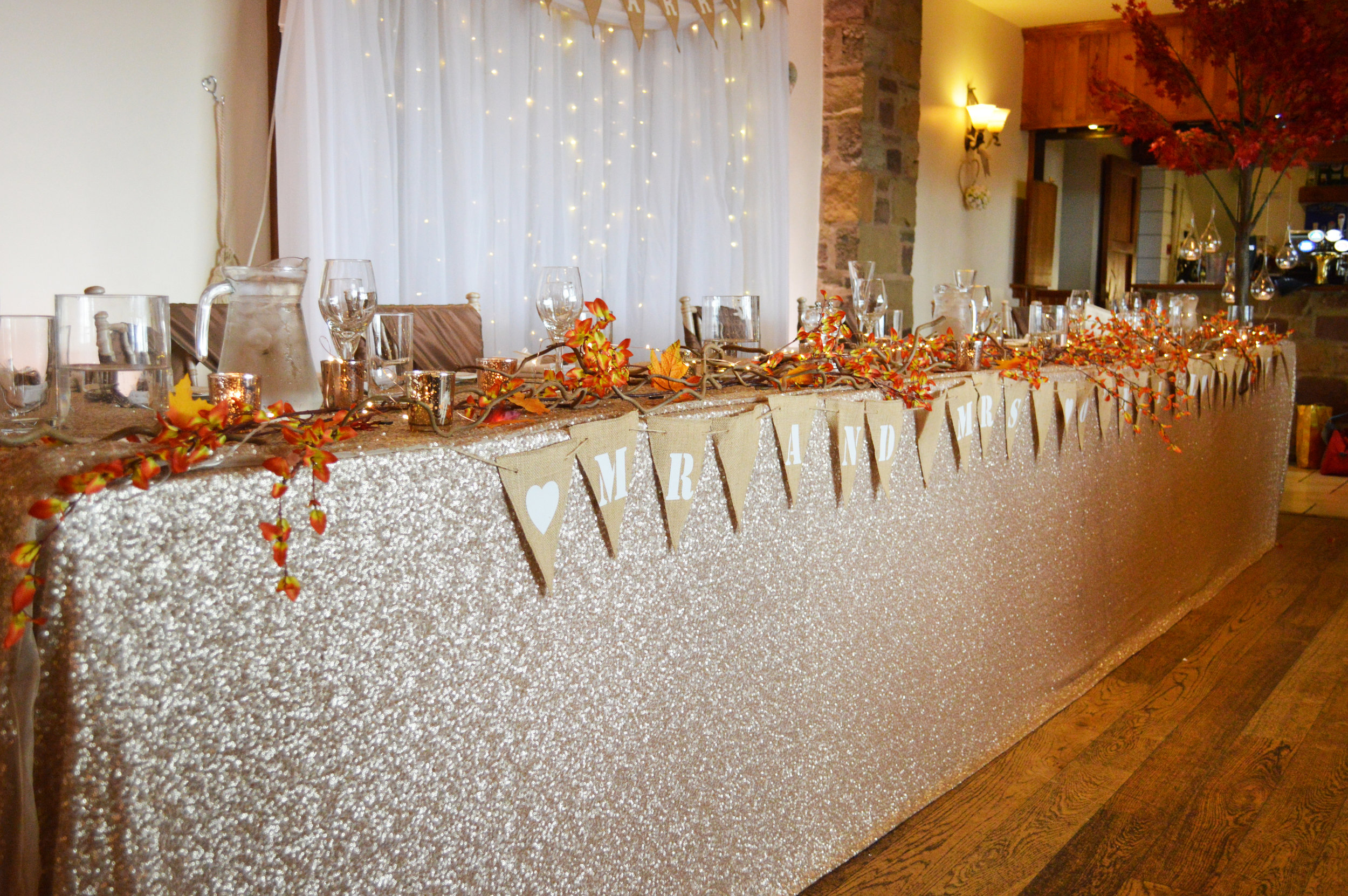 Top table sequin cloth with decoration