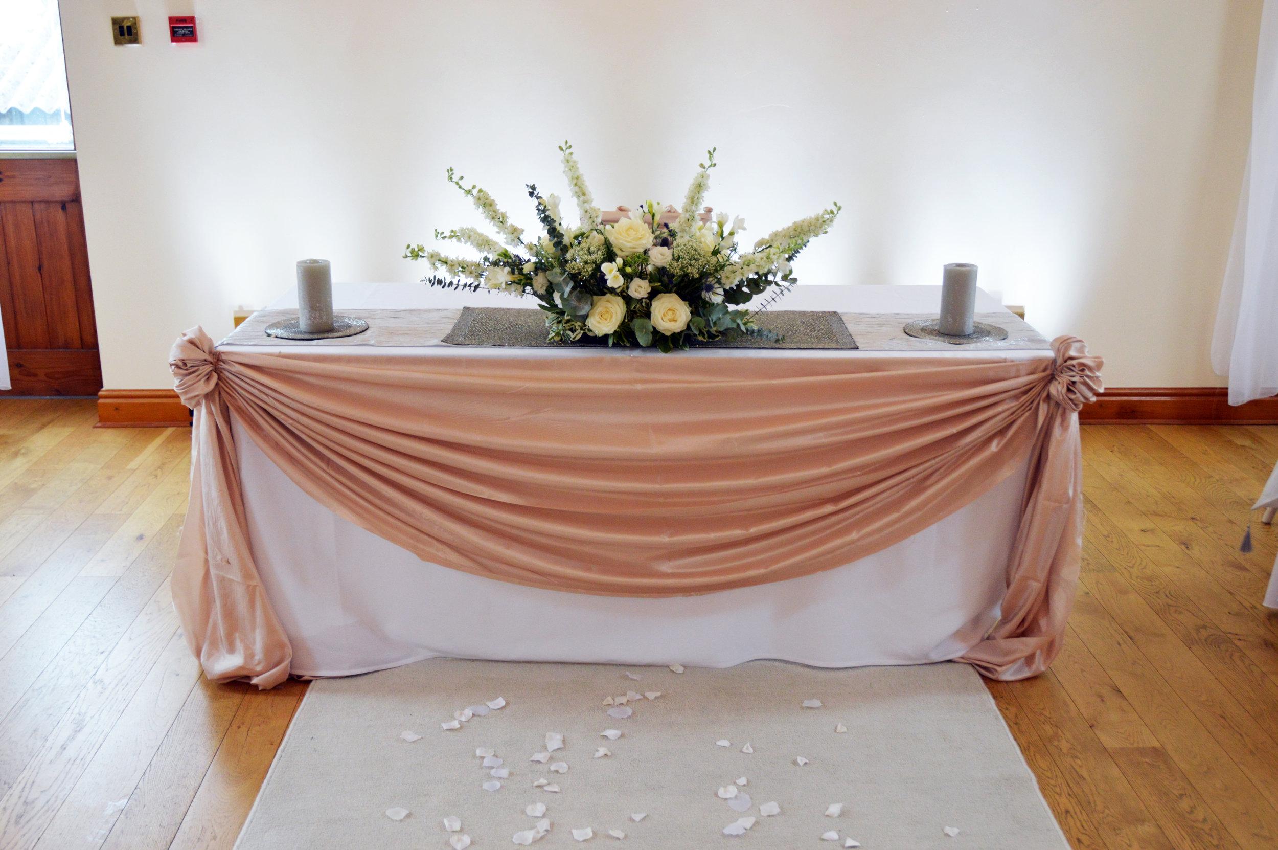 Registar table drape