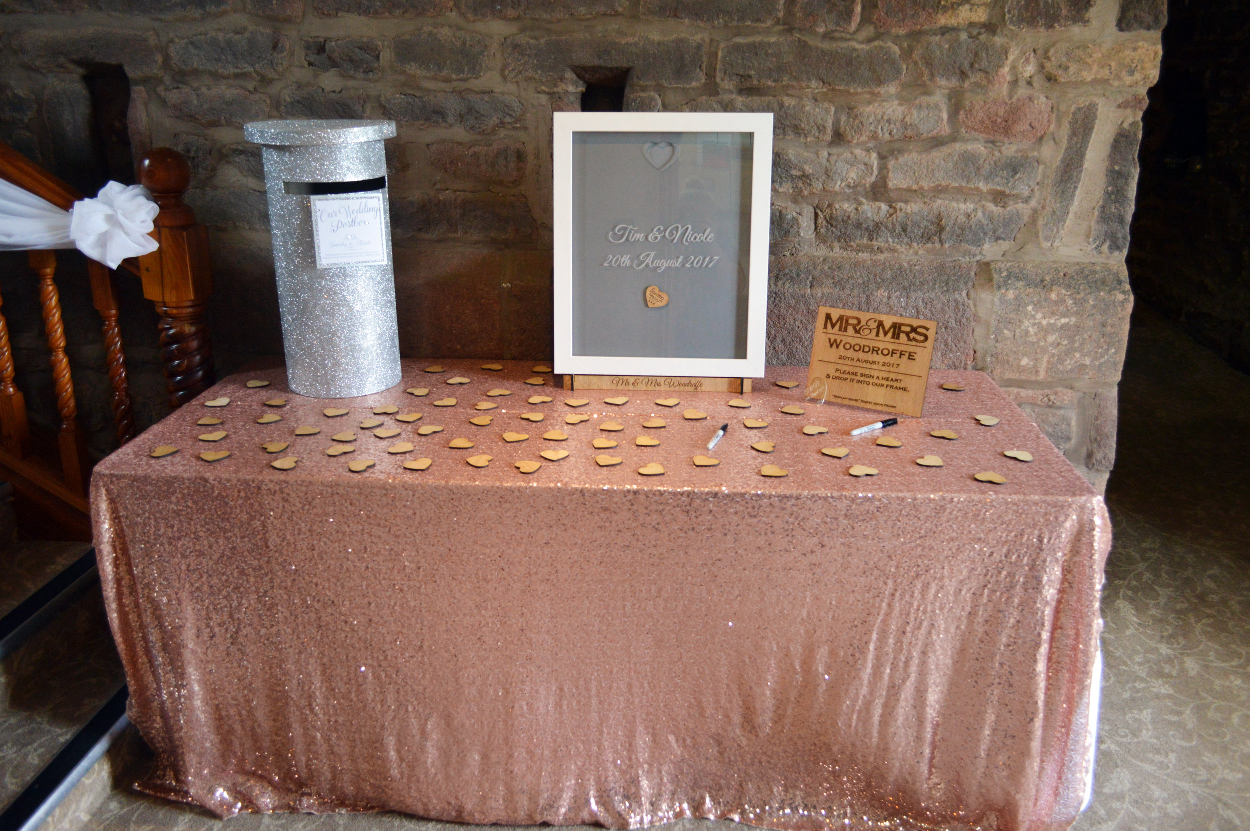 Present table sequin table cloth