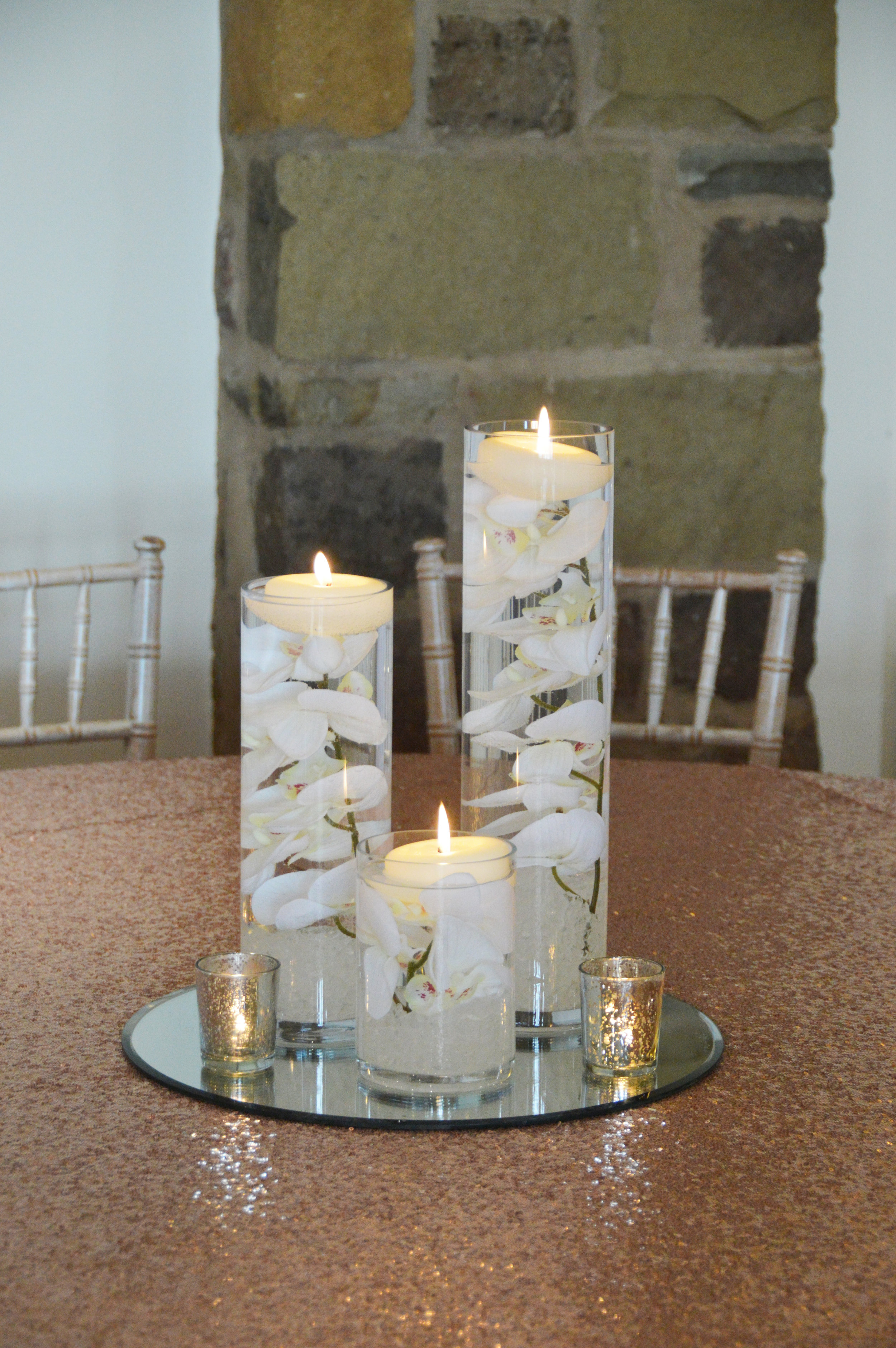 Floating candle table centrepiece