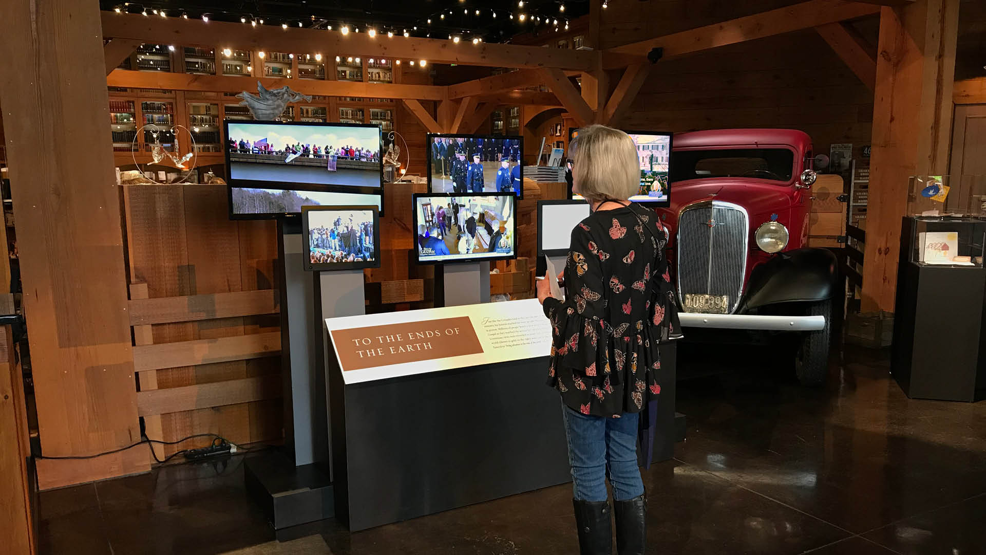 Billy Graham Memorial Exhibit Screens.jpg