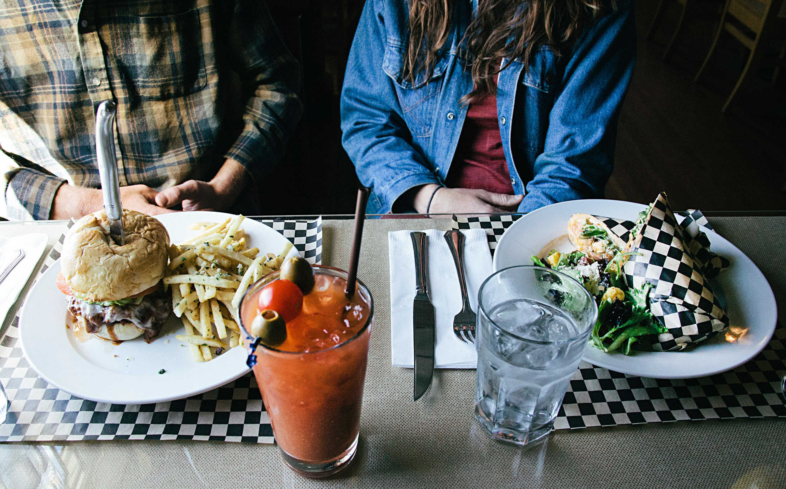 cottonwood-cafe-breakfast-lunch-restaurant-sisters-oregon.jpg