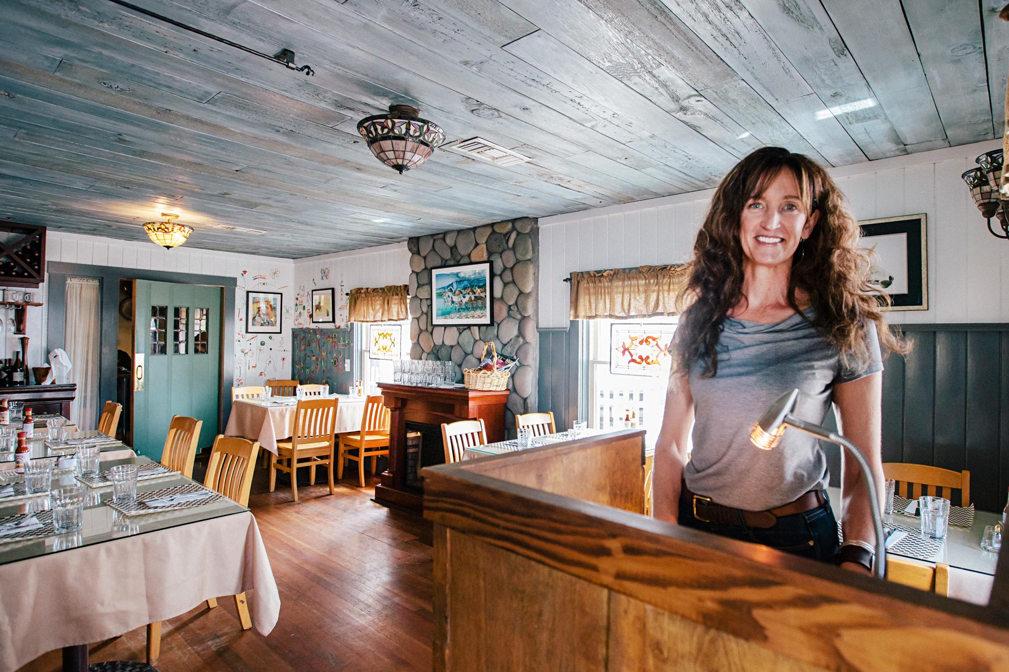 cottonwood-cafe-best-service-in-sisters-oregon-breakfast-lunch-restaurant.jpg