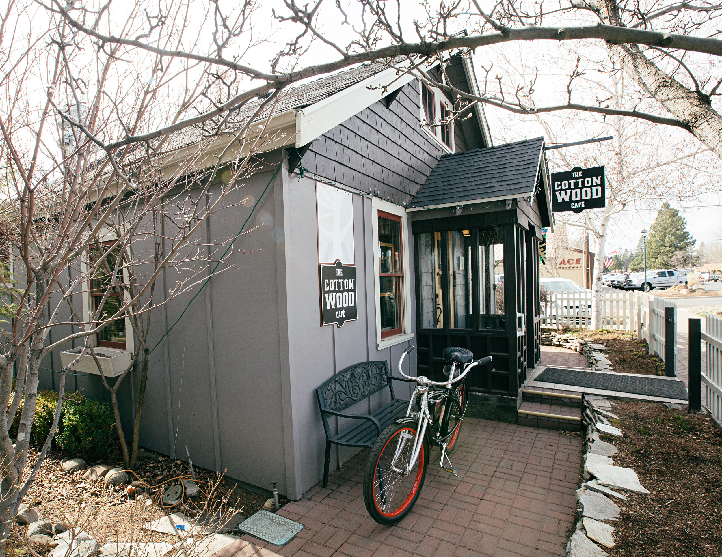 The-cottonwood-cafe-breakfast-all-day-lunch-restaurant-sisters-oregon.jpg