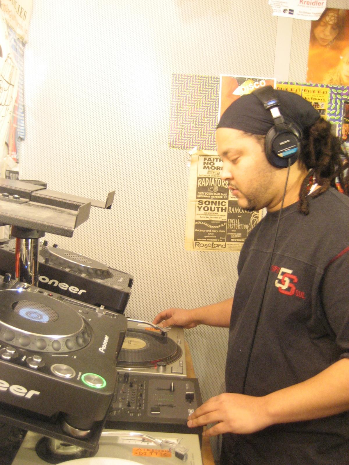 DJ Qu  pt. 1  /  pt. 2