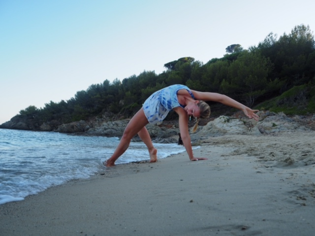 La Plage Yoga Retreat - 7 days of beach life, yoga and soulful food at one of the most beautiful beaches at the Côte d'azur