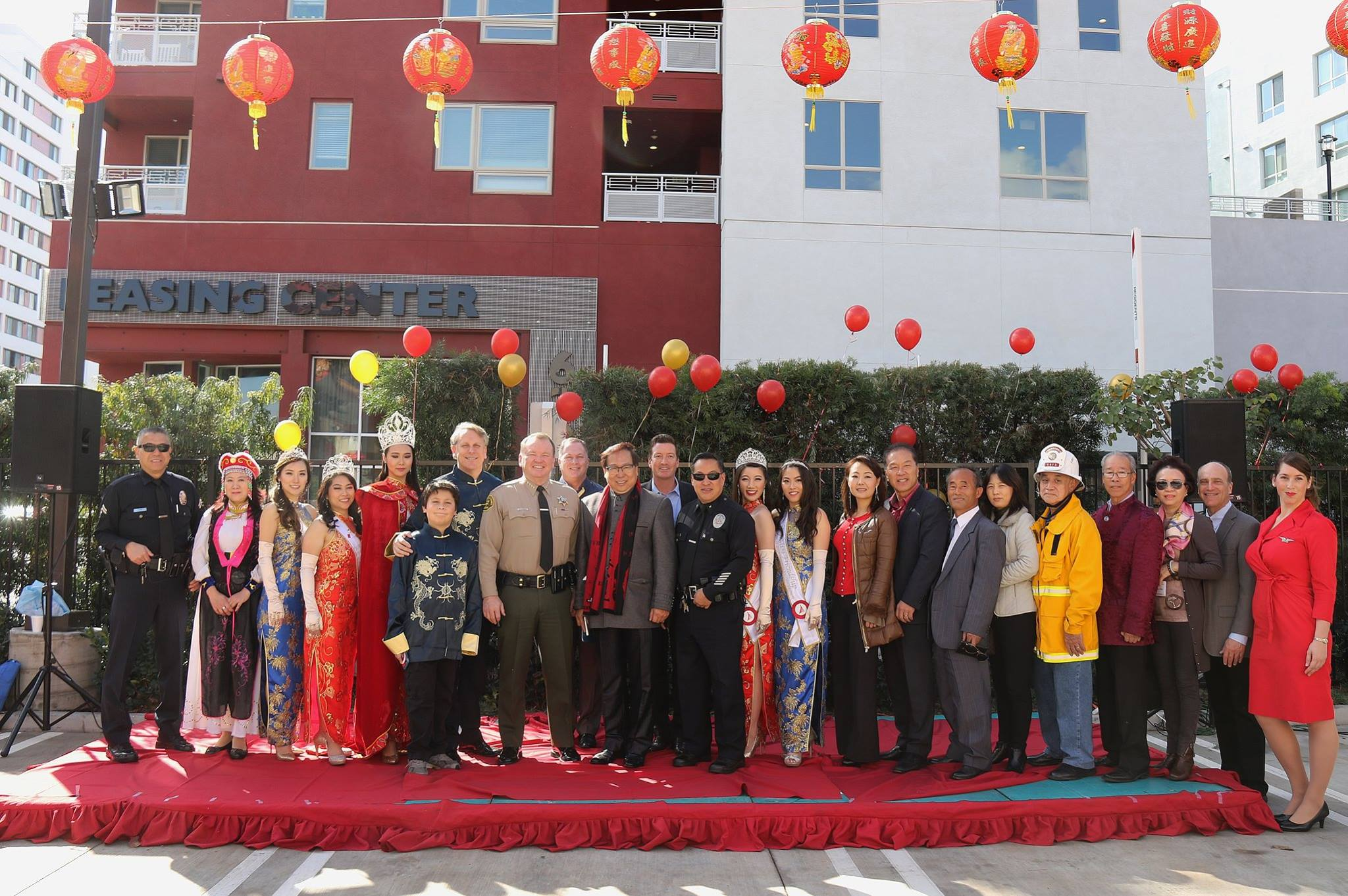 Public office holders, elected officials and community supporters at the VIP reception to kick off the 118th Golden Dragon Parade.jpg