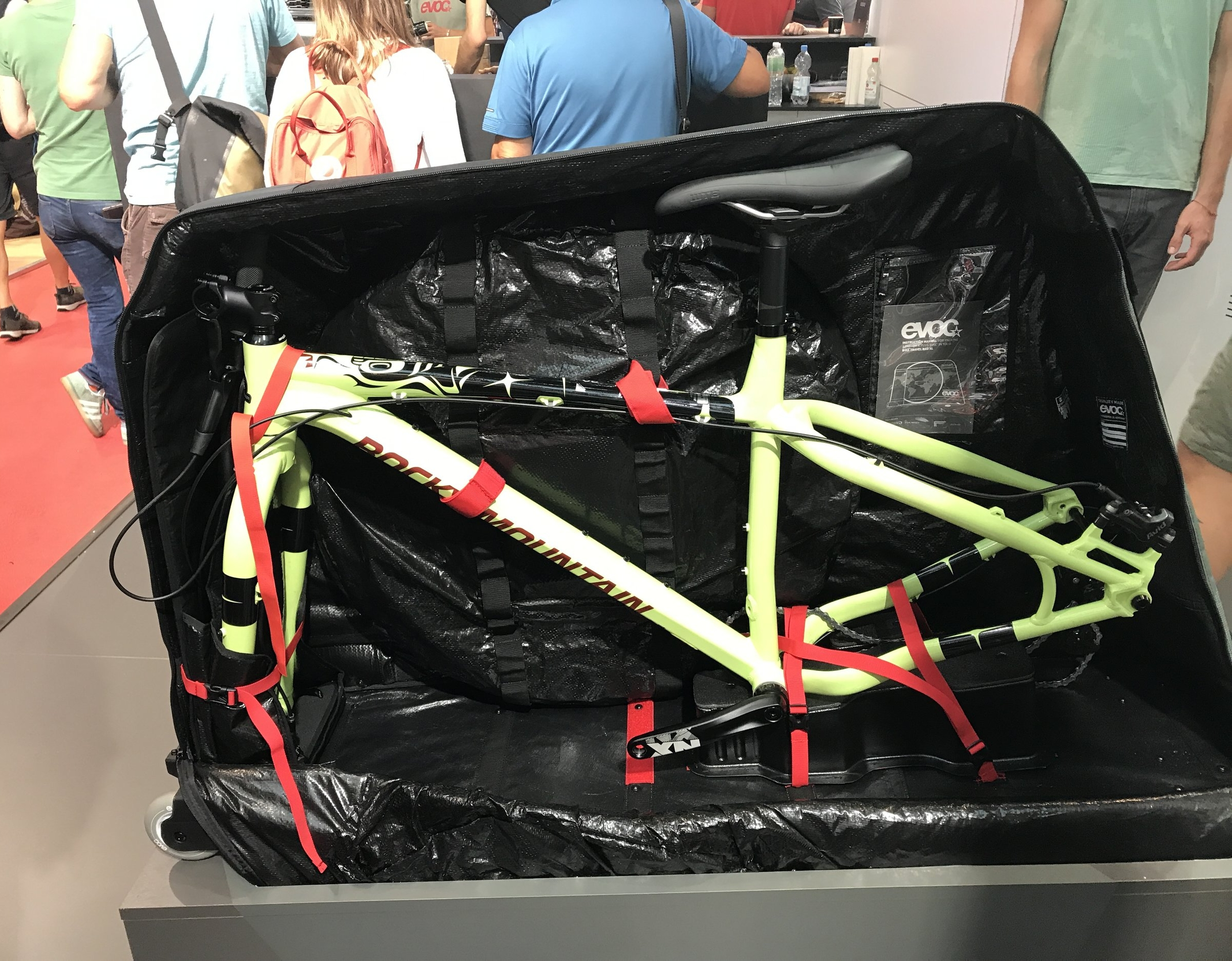 evoc_Bike_Travel_Bag_XL_1.JPG