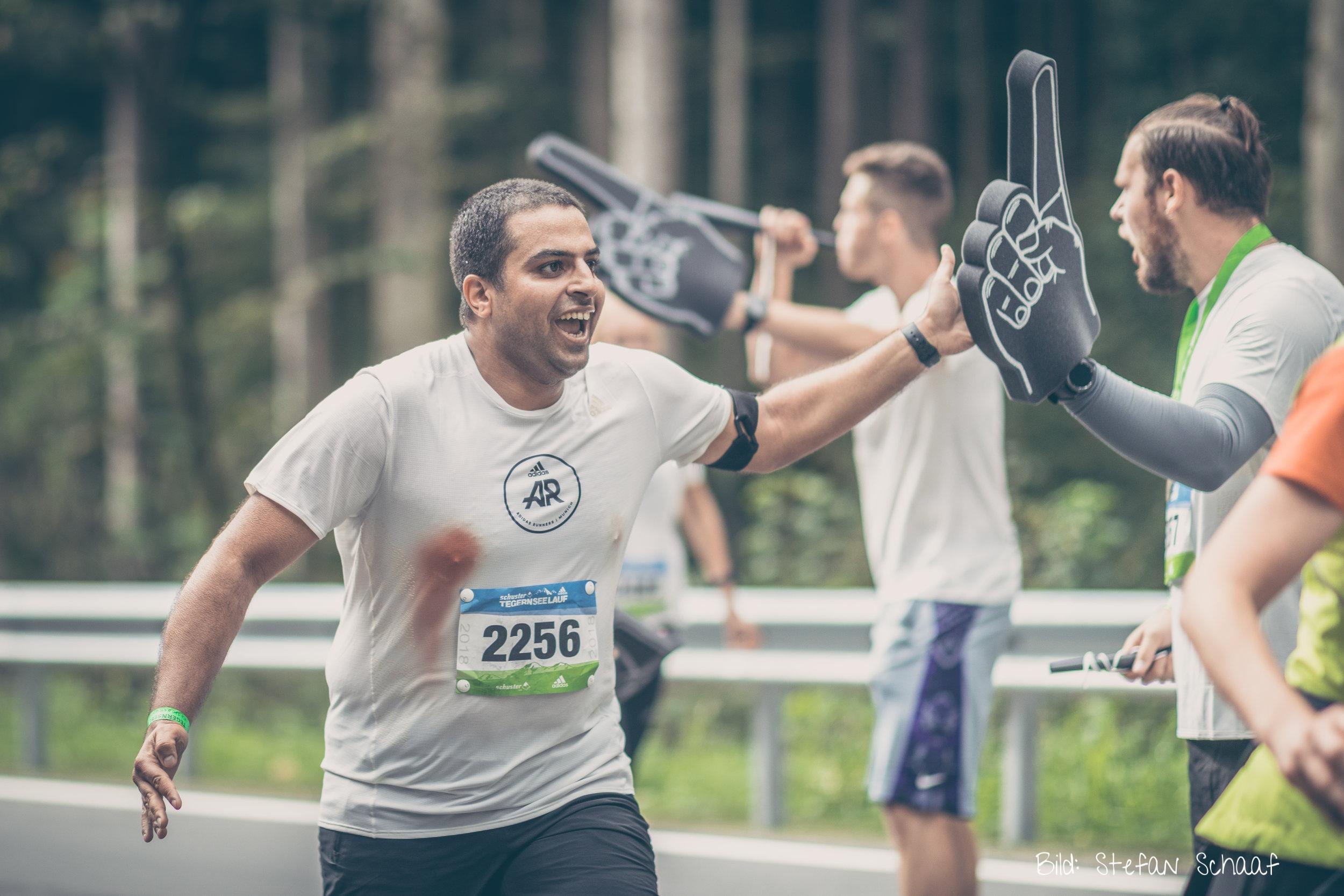 Die Adidas Runner lassen sich auch von Blut nicht aufhalten!