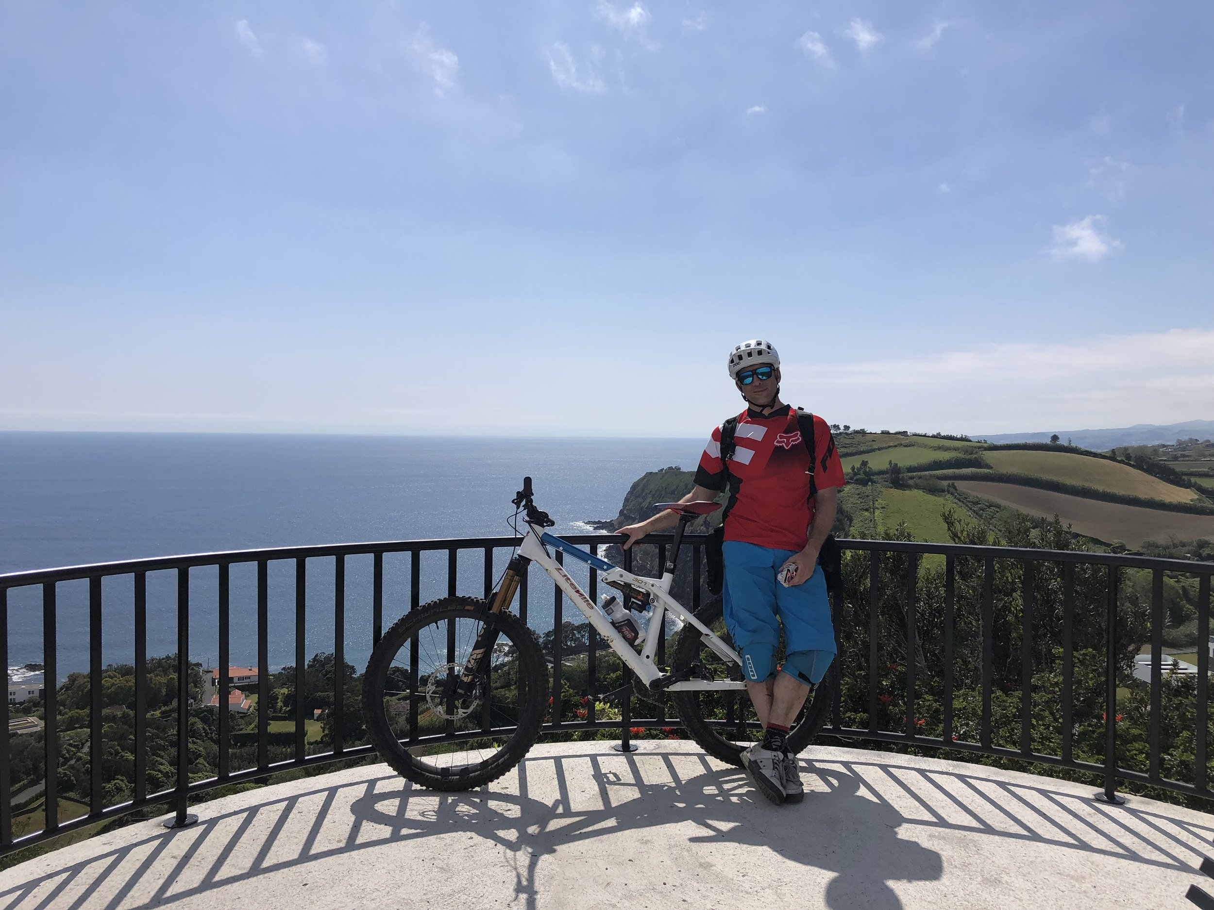 Aussichtspunkt mit wunderbarem Blick über die Küste