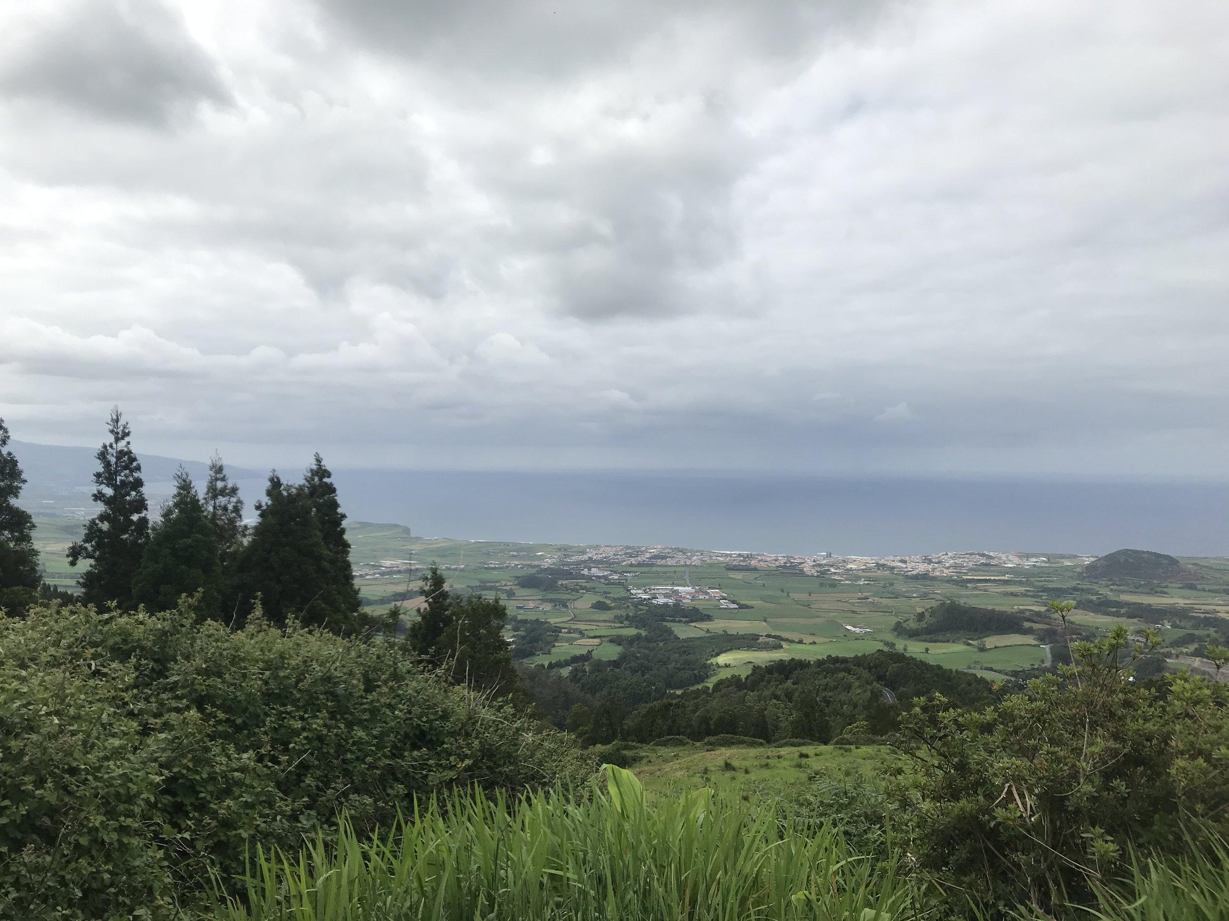 Blick während der Auffahrt zum Lagoa do Fogo