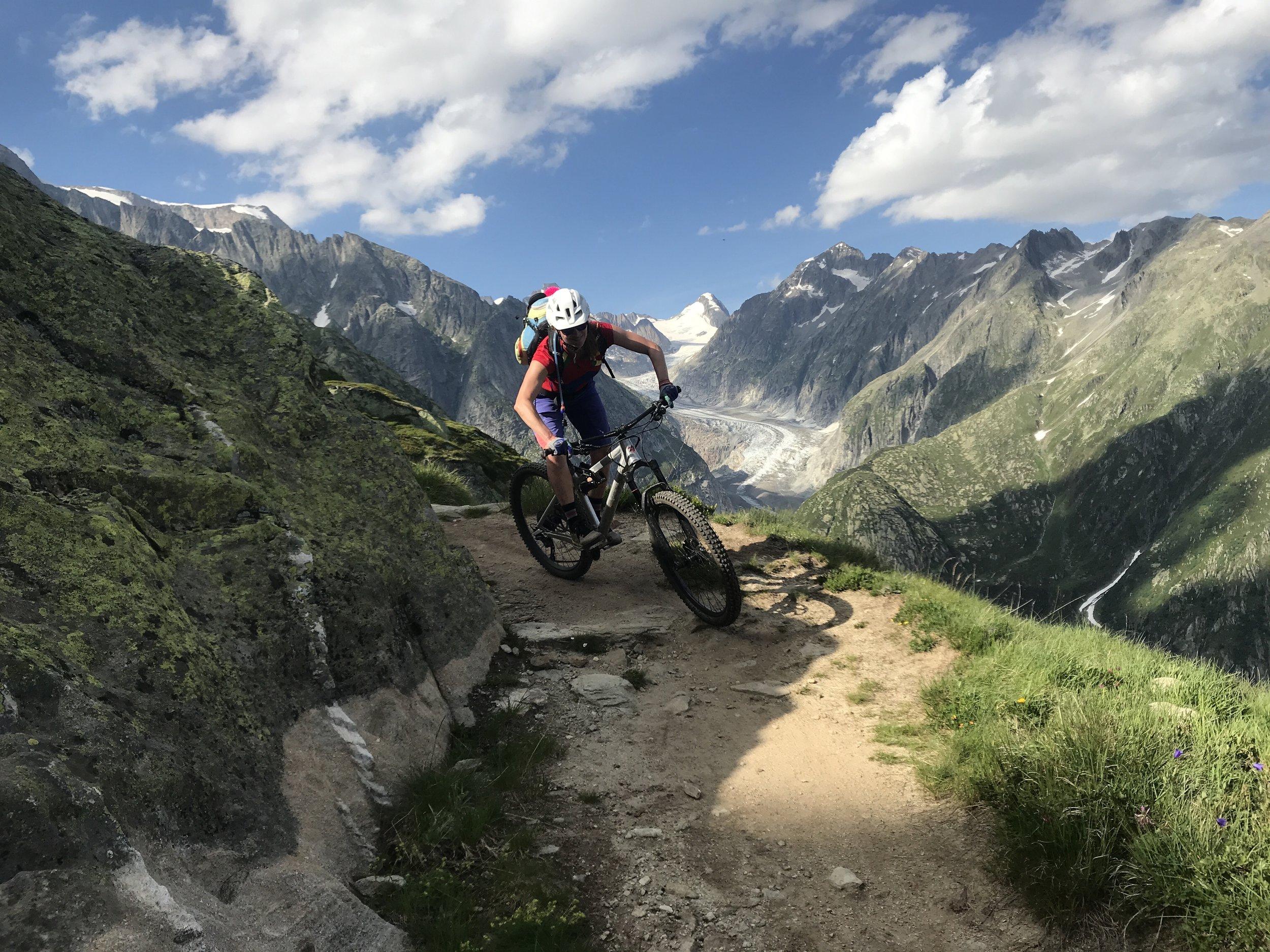 Abwechlunsgreiche Trails vor schönstem Panorama