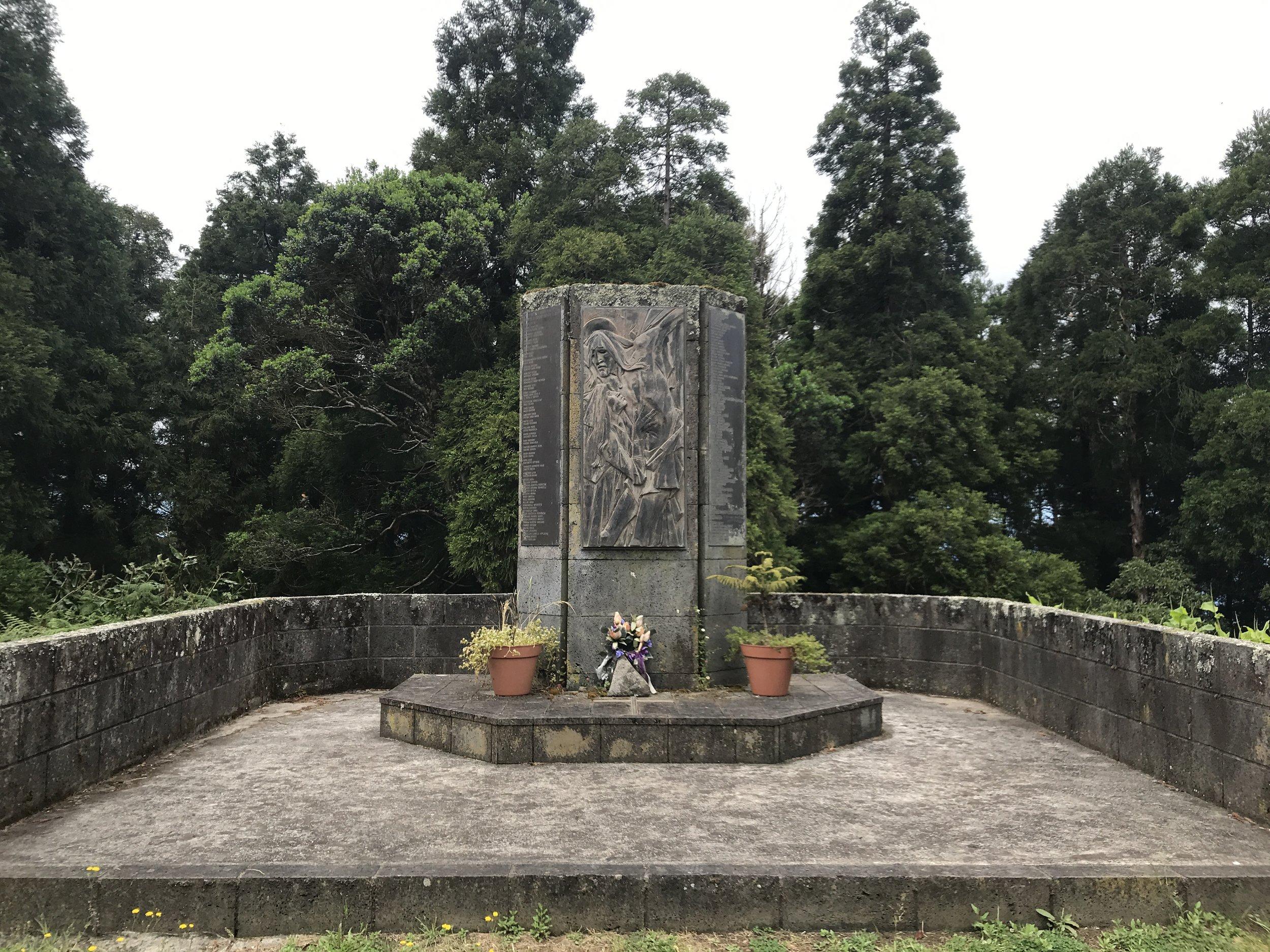 Copy of Copy of Das Denkmal für die Opfer des Flugzeugunglücks 1989