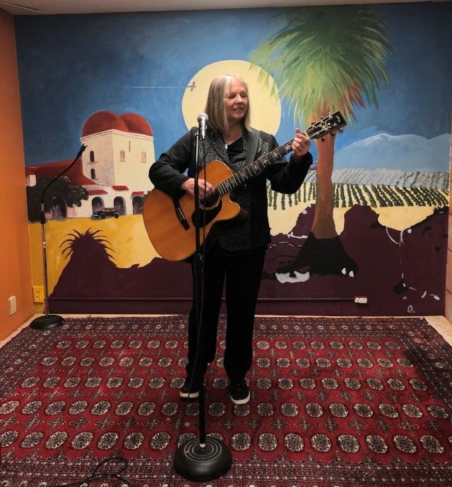 Linda Lowe  GUITAR/SONGWRITING PERFORMANCE