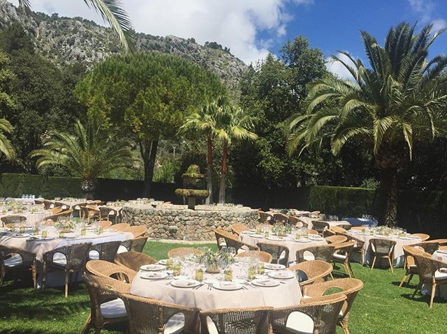 The Majorcan charm! There are plenty of beautiful venues with amazing settings like this one 🙌🏼❤️ #destinationweddingplanner #weddingsinmallorca #mallorcadestinationwedding #mallorcaweddings