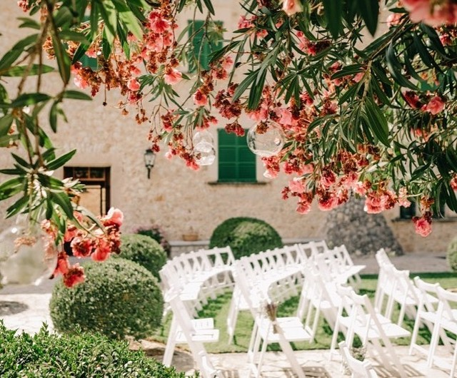 Imagine your ceremony in this Mallorcan garden 🙌🏼! ⠀⠀⠀⠀⠀⠀⠀⠀⠀ .⠀⠀⠀⠀⠀⠀⠀⠀⠀ .⠀⠀⠀⠀⠀⠀⠀⠀⠀ .⠀⠀⠀⠀⠀⠀⠀⠀⠀ .⠀⠀⠀⠀⠀⠀⠀⠀⠀ ⠀⠀⠀⠀⠀⠀⠀⠀⠀ Photographer:  @aimeekphotography #mallorcaweddingplanning #destintionweddingplanner #ukdestinationweddingplanner #mallorcaweddingplanner