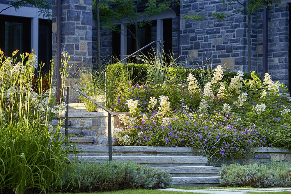 Ottawa 1- 8_Grouse_Nest_North_garden_16-v1.jpg