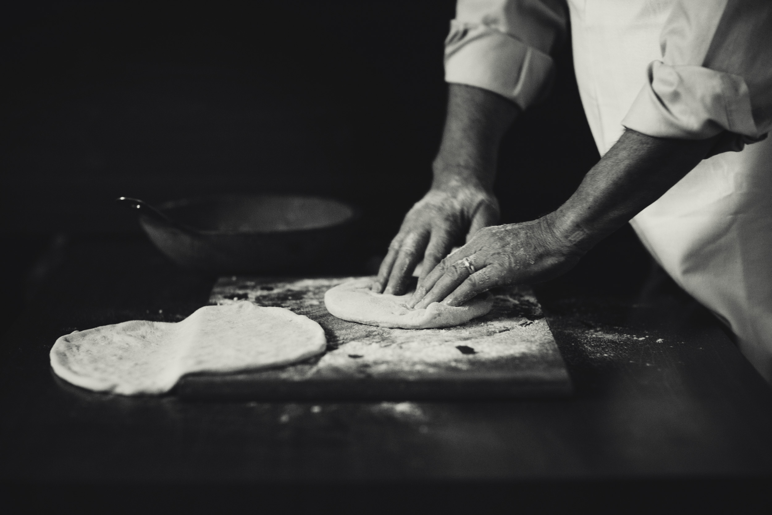 Hand tossed traditionalpizza dough