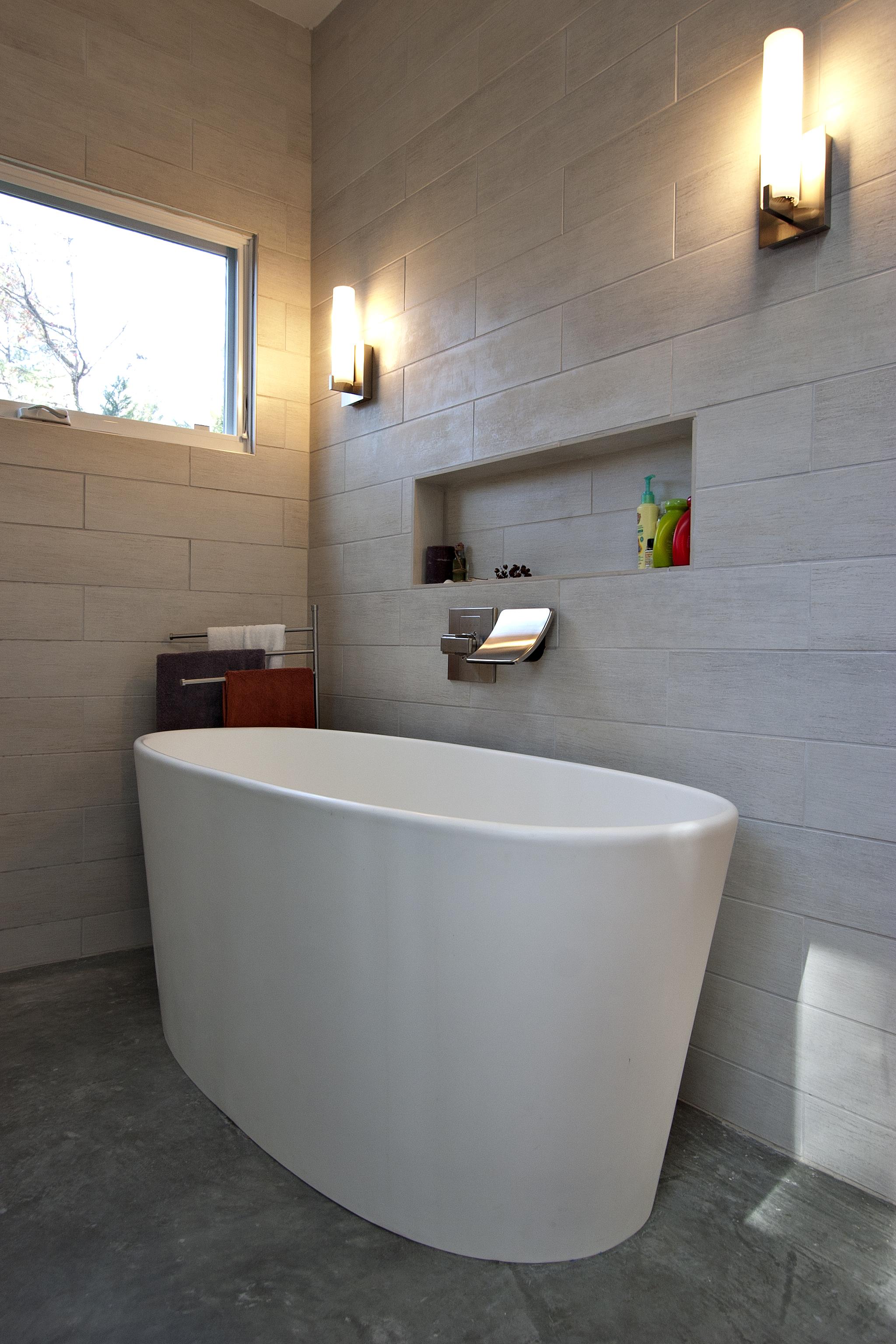ovoid bathing apparatus.jpg