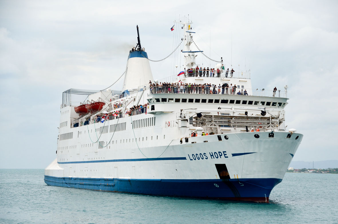 Logos Hope @ GBA Ships