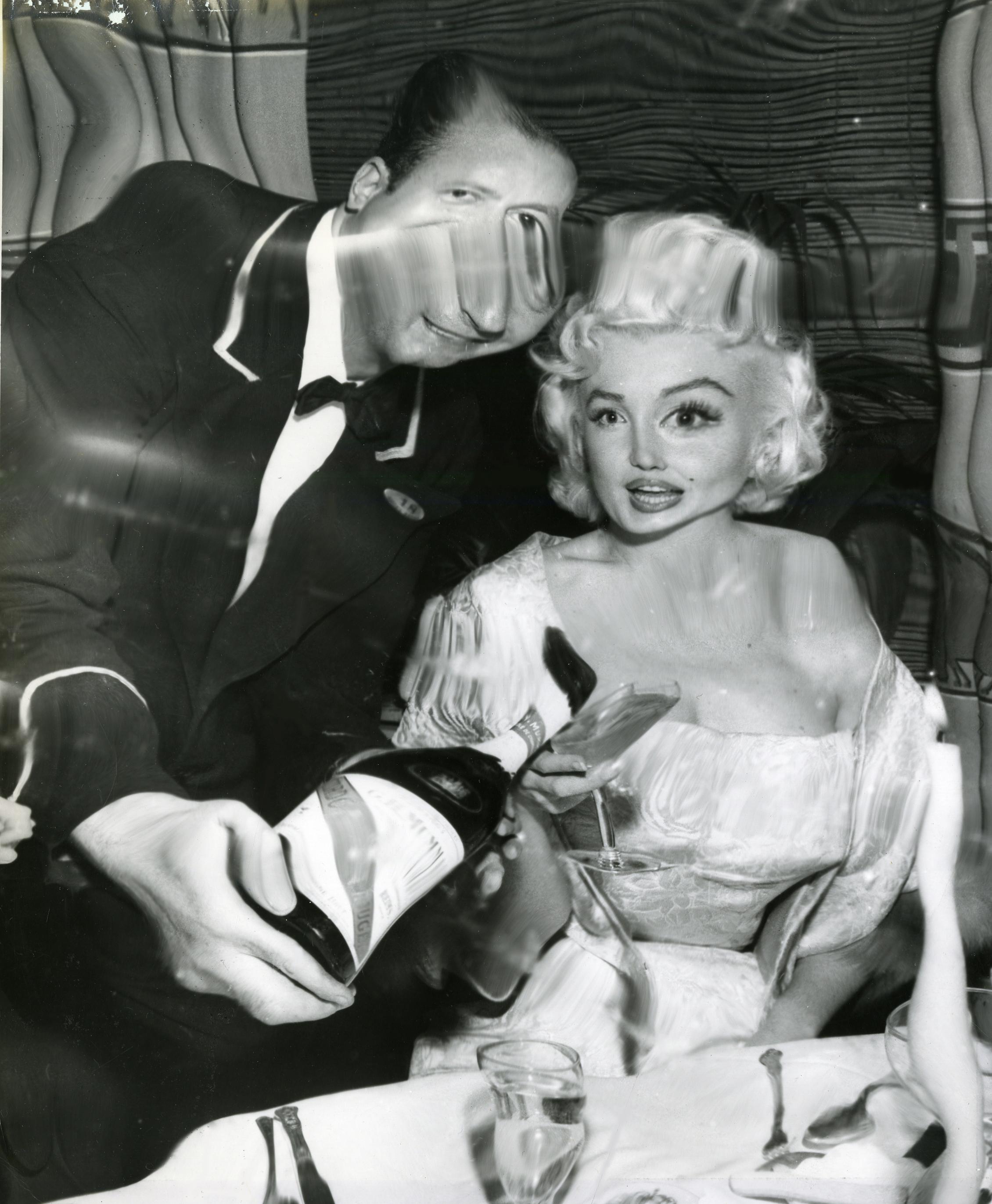Weegee: Marilyn Monroe in Restaurant Distortions