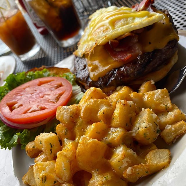 Brunch burger beauty! Get your Sunday-Funday fix with us...the brunch & bloodies are flowing! #brunch #breakfast #burger #burgers #potatoes #mke #milwaukee #wi #wisconsin #patio #downtown #foodporn #foodie