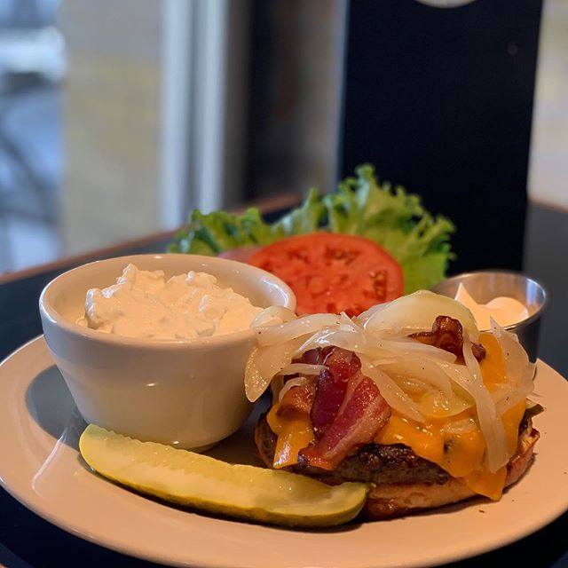 BIG Monday night, Milwaukee! We're giving a pair of tickets to Sunday's Packer game away! You're automatically entered to win with any Miller Lite, Miller High Life or Miler product! It's also FREE toppings when you build your own burger! Get here, sit back and slide into the evening in comfort! #monday #mondayfunday #downtown #mke #milwaukee #wi #wisconsin #burger #football #packers #buildyourown #foodie #foodporn