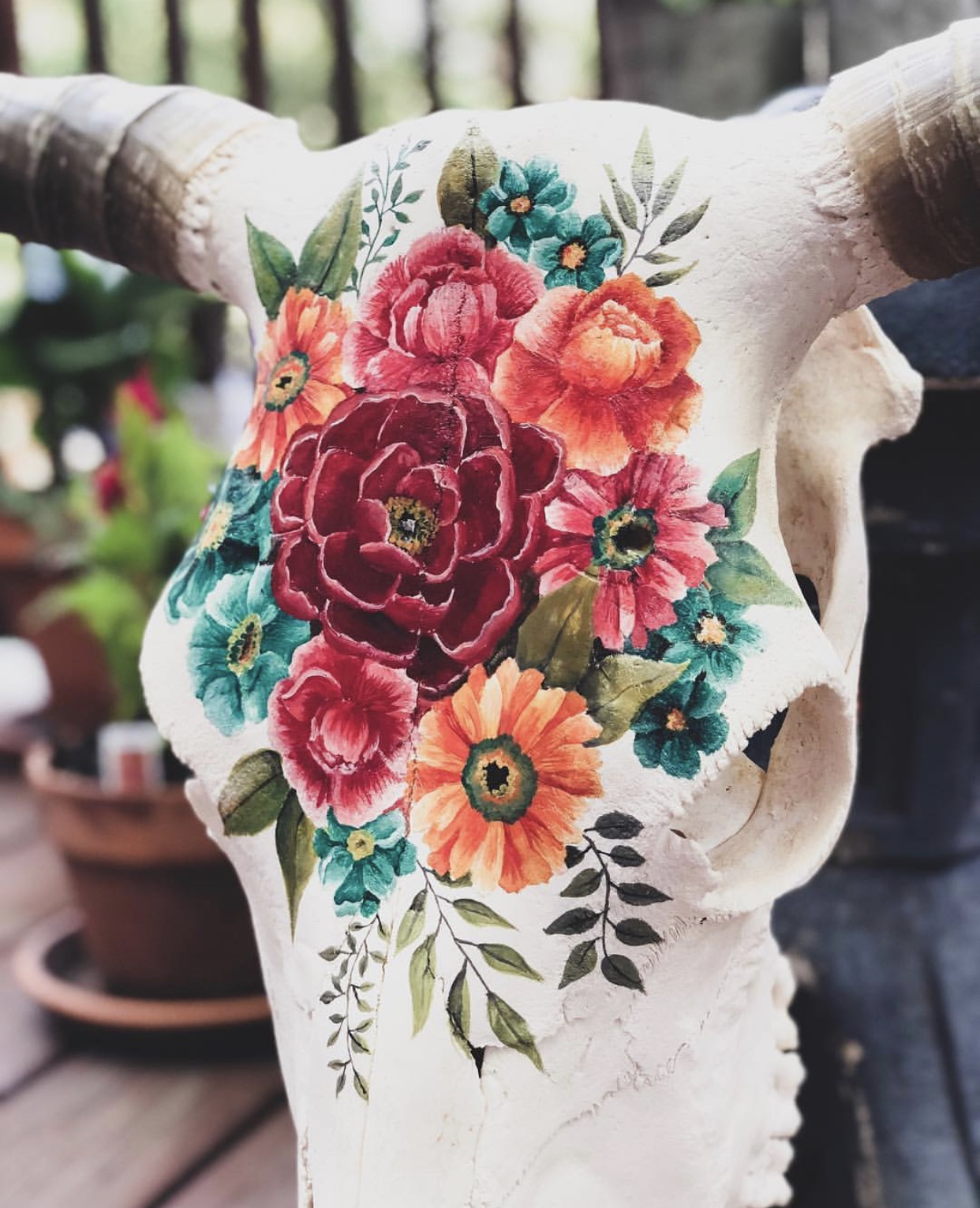 Bear Co. is a globally-inspired handmade business owned by occupational therapist and cat lover Sara Baumann. Sara puts her travel & cultural inspiration into her original products which include hand-painted cow skulls & beautiful jewelry.  @bearxco