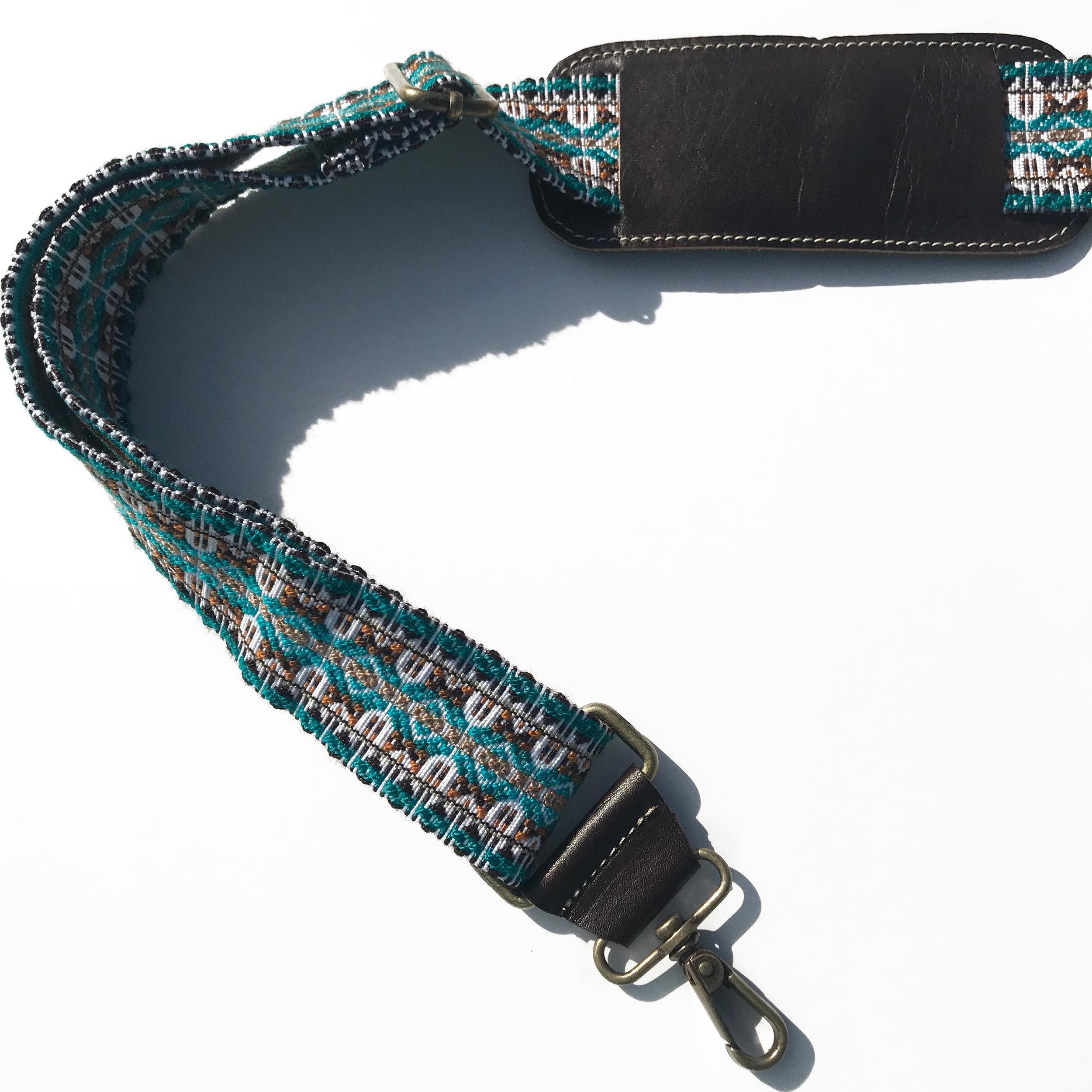 2019 loom-woven handbag strap by VerverWerks.