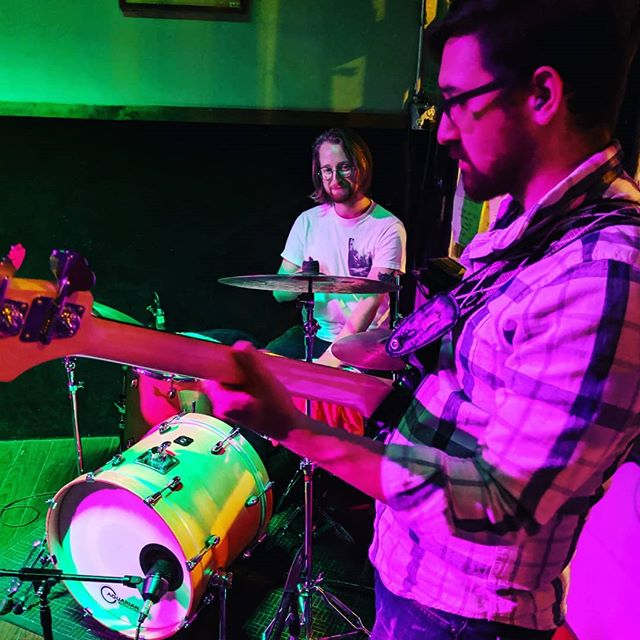@heyhoneycellar's slick rhythm section. You guys were fabulous last night, this is a band to watch in 2019, can't wait for the new album!! #honeycellar #chicagomusic #listenlocal #tonicroom #harmonicadunn #goodmusic