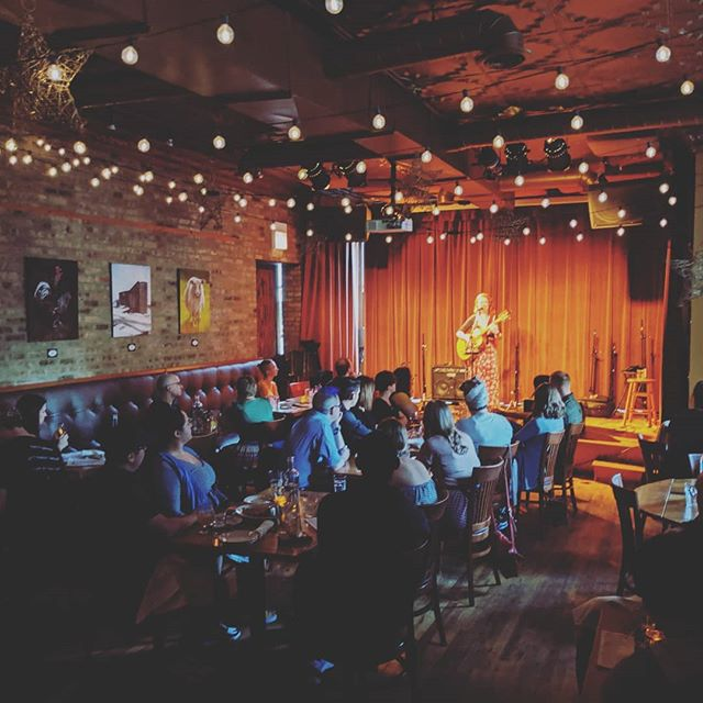 The fabulous @kasondrarose tonight at Uncommon Ground in Edgewater! Beautiful music with a bit of whimsy, a bit of tragedy, and a lot of heart. Glad to share the stage with you tonight! #kasondrarose #uncommonground #livemusic #chicagomusic #listenlocal