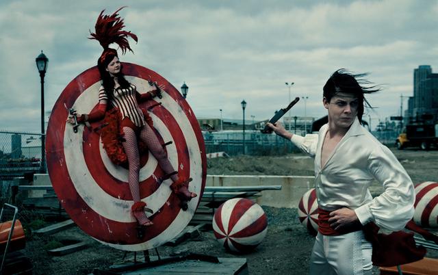 White Stripes_leibovitz.jpg