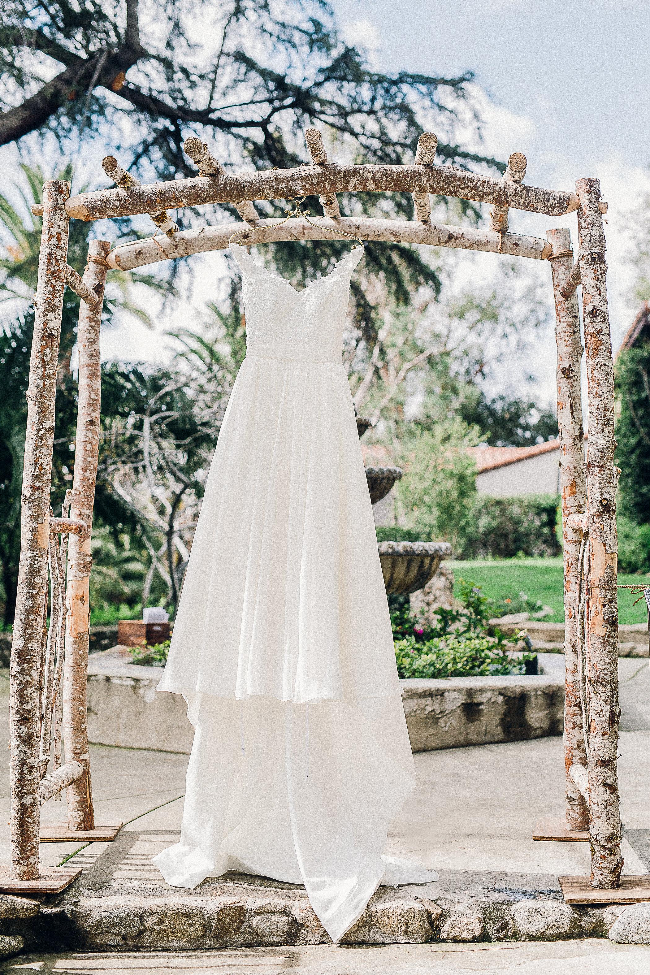 CUEVAS-WEDDING-SNEAK-PEEK-0001.jpg