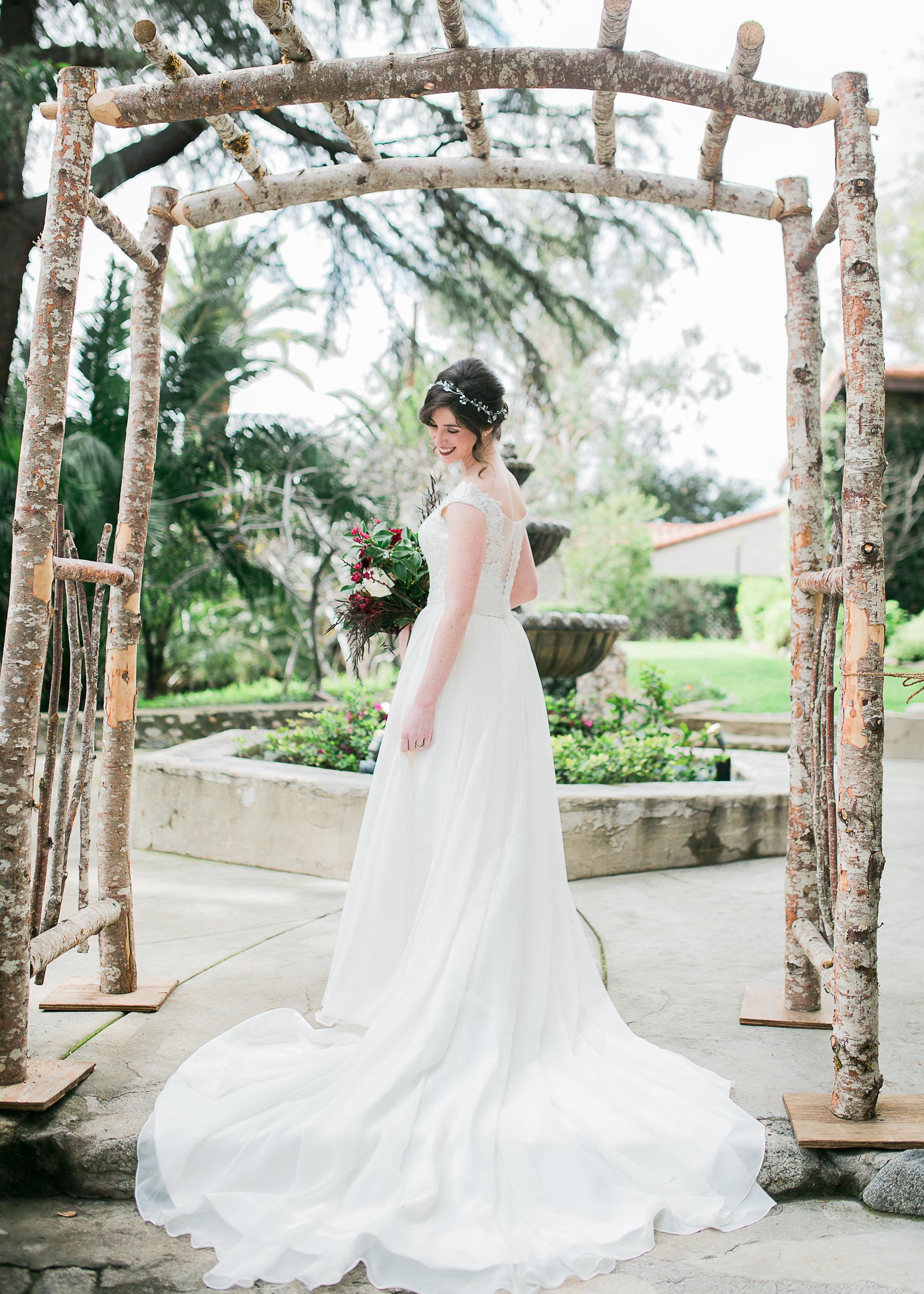 CUEVAS-WEDDING-SNEAK-PEEK-0034.jpg
