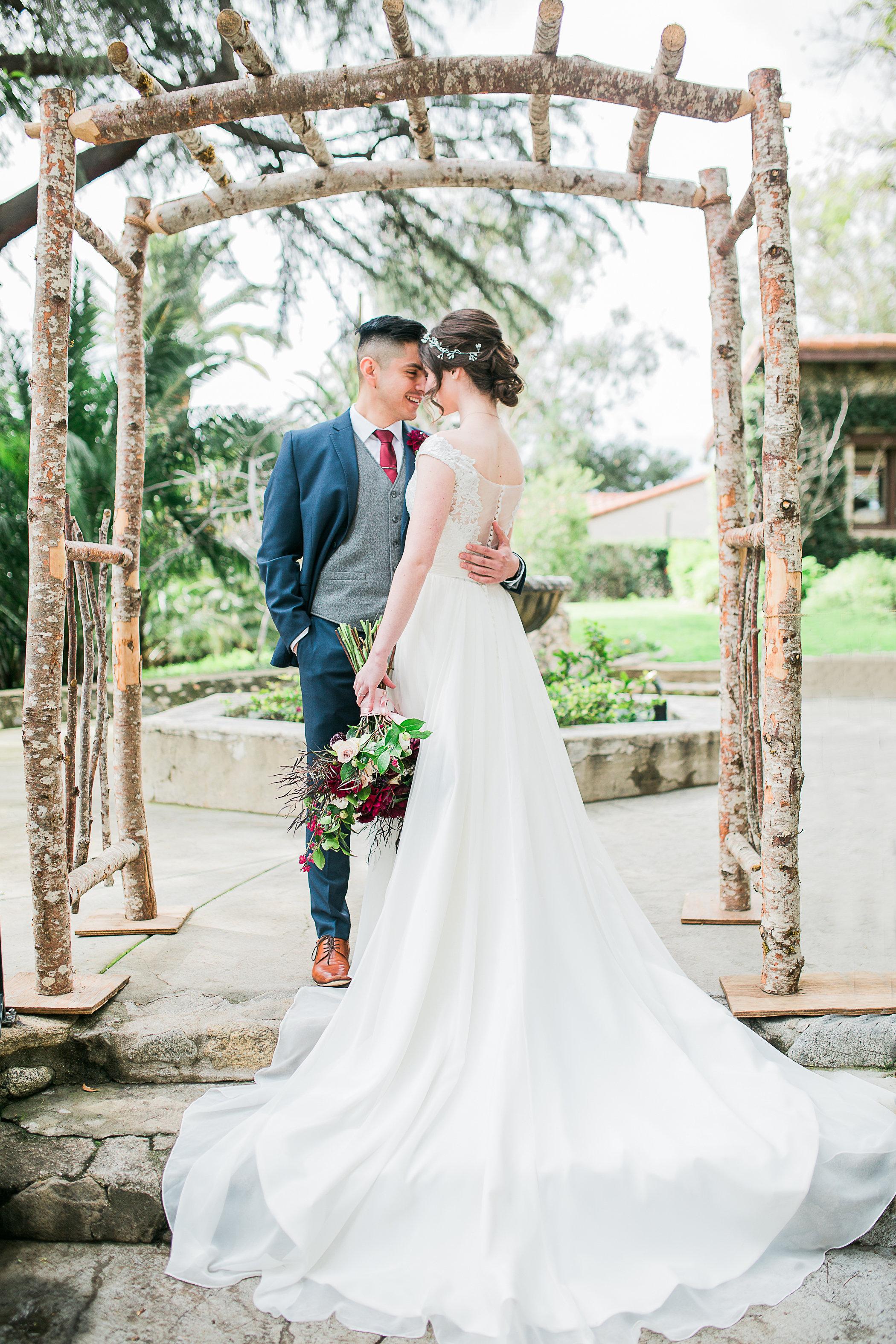 CUEVAS-WEDDING-SNEAK-PEEK-0035.jpg