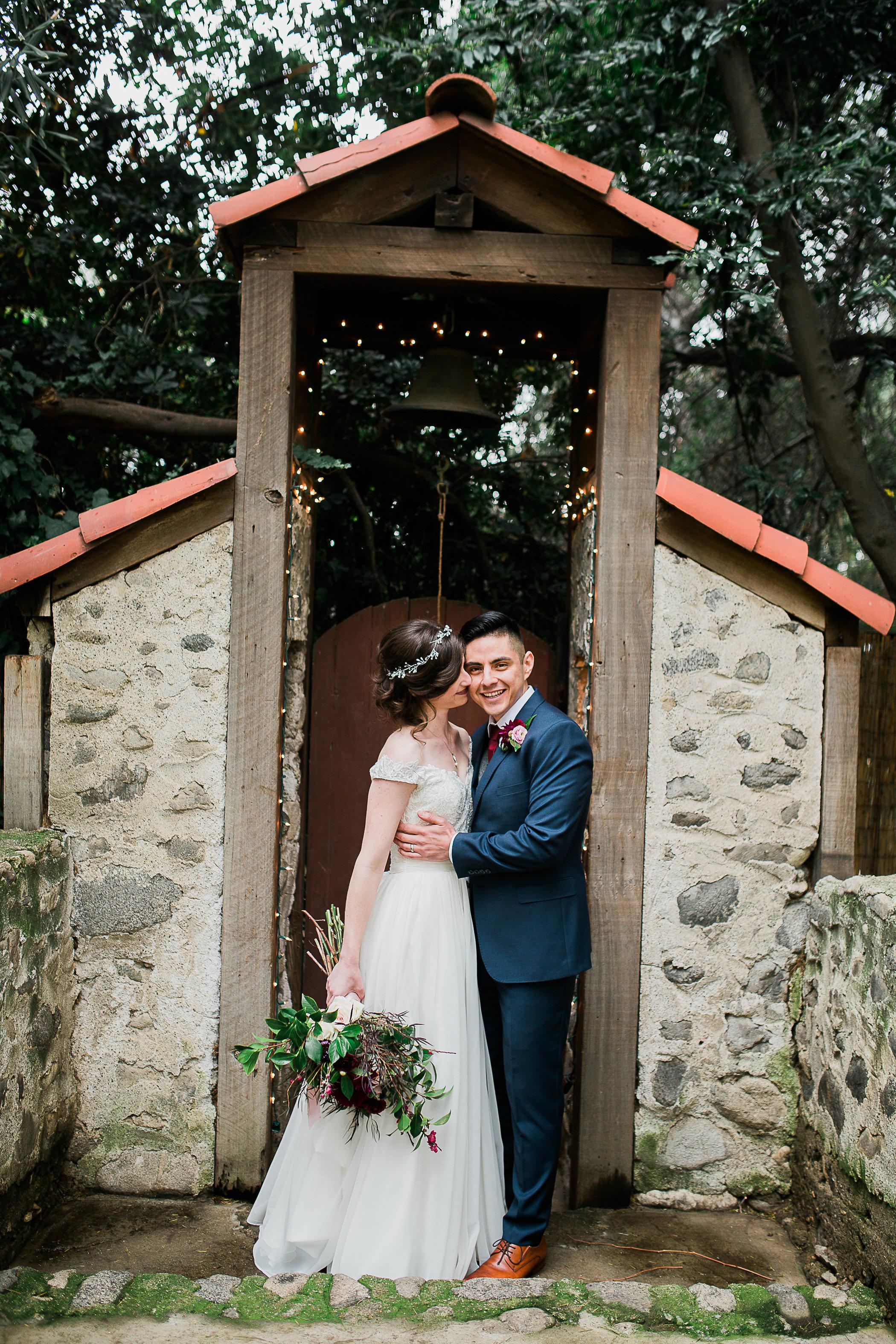 CUEVAS-WEDDING-SNEAK-PEEK-0070.jpg