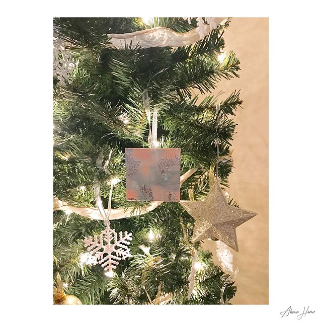 M I N I •  M A S T E R P I E C E S  Decorate your tree in style. Check out our seasonal Mini Masterpiece ornaments.  Quantities Limited  #shop #shopping #home #homedecor #art #artists #art🎨 #artwork #instaartist #instaart #artistsoninstagram #canvas #decor #design #designer #etsy #etsyshop #fineart #goldleaf #handmade #handpainted #handcrafted