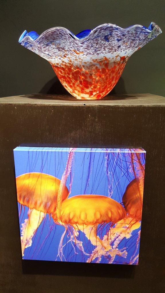 Jellyfish Murano Style Glass Bowl Image ©Stoneycreek