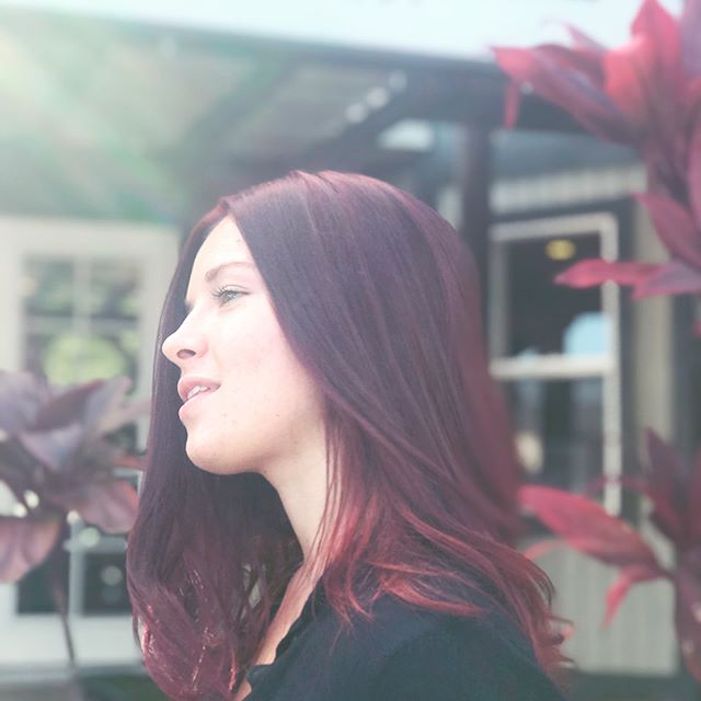 Lucious ruby red for this beauty ❤️ . Color • Style by our lovely apprentice @angelolivine . . . . #beautybarmaui #crimsonhair #rubyredhair #tigicolor #kerastase #hairinspo #mauigirl #hawaiihair #naturalbeauty